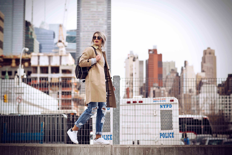 nyfw15-street-style-masha-sedgwick-burberry-sneakers-11