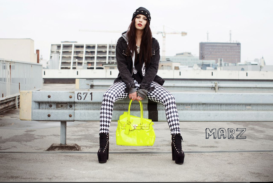 amanda behrens high fashion neon bag black white parkdeck parkhaus shooting unif boots