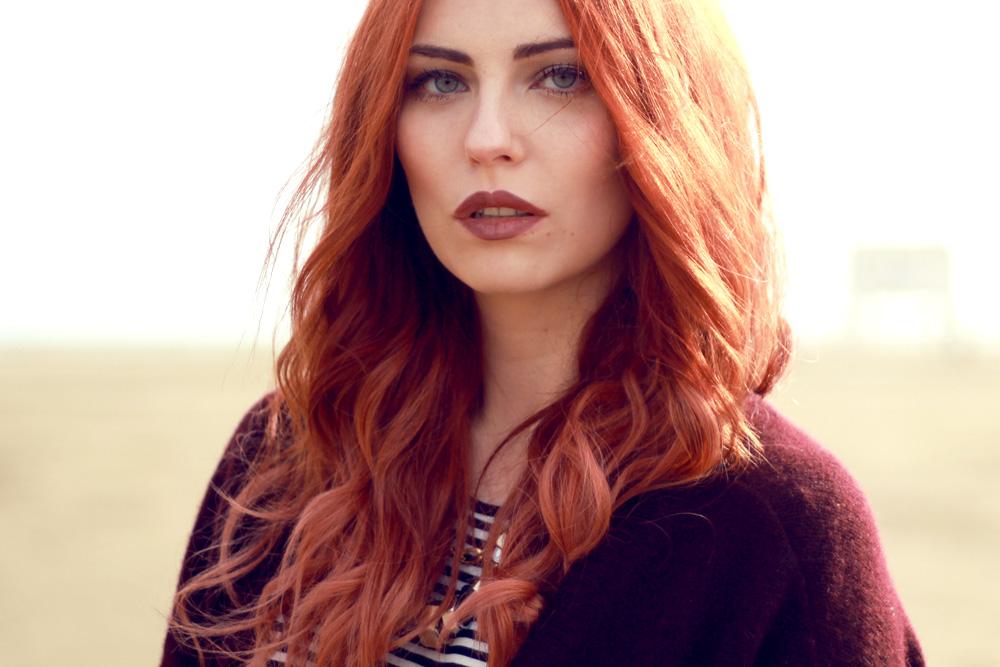masha sedgwick burgundy make up bordeaux winter rot rouge dark natural beauty shot