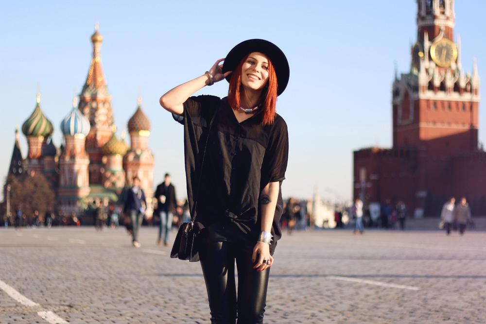 Moskau Russland Fashion week 2014 dandy schwarz 5preview dkny lederhose kunstleder 5preview seidenbluse schürschuhe budapester trend outfit mode blogger street style cool