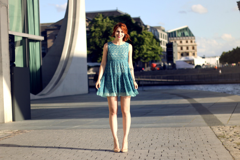 de-->Outfit: die Hochzeitseinladungoutfit: what to ...
