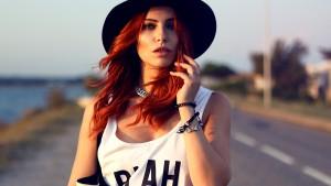 blah_shirt_black_white3
