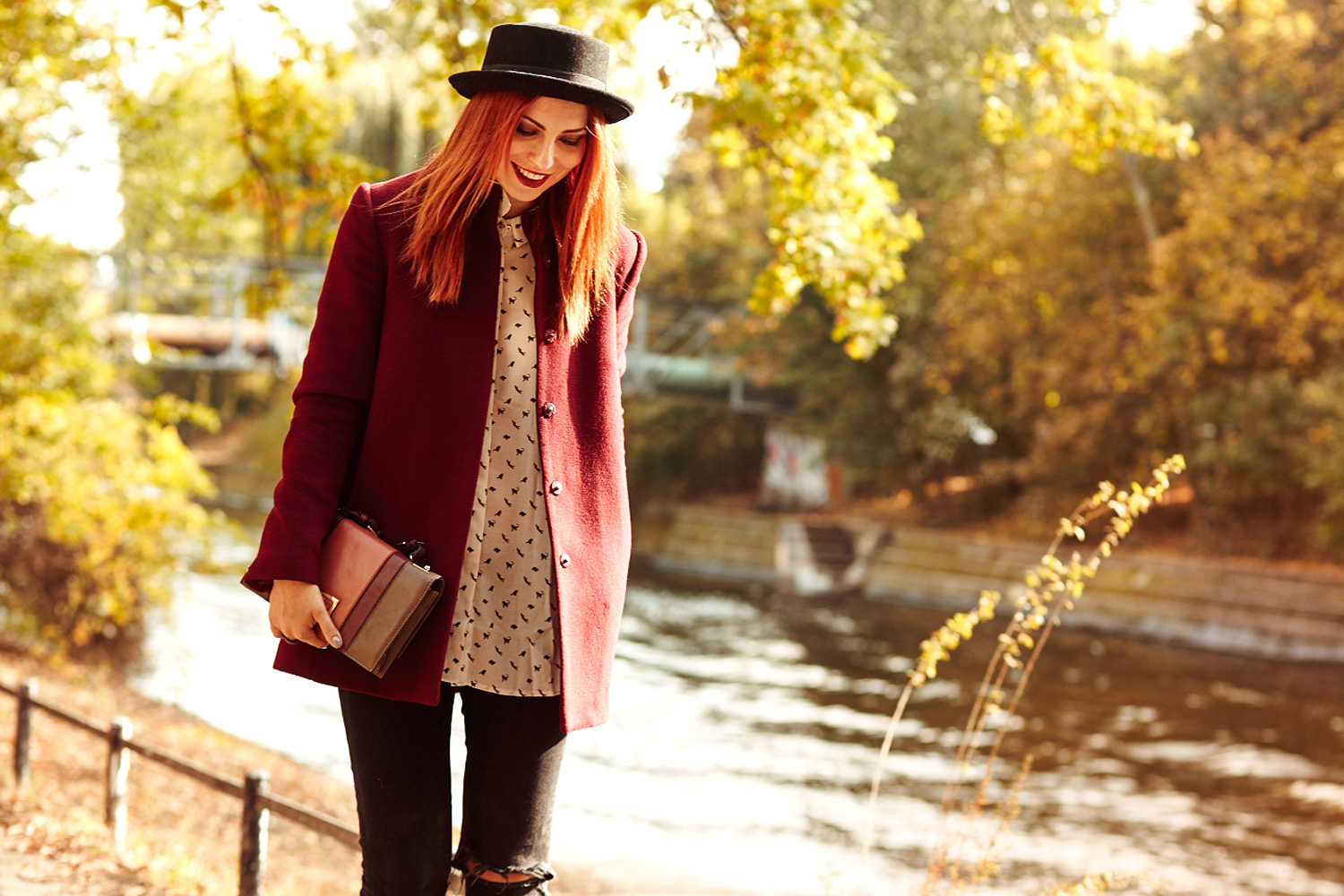 katzenprint supertrash herbst autumn burgundy grunge fashion blogger outfit style warm animal print cat katzen bluse mango valentino bag retro
