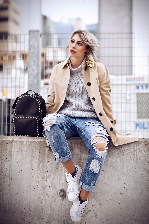 b20bcdcea nyfw15-street-style-masha-sedgwick-burberry-sneakers-7 – Fashion ...