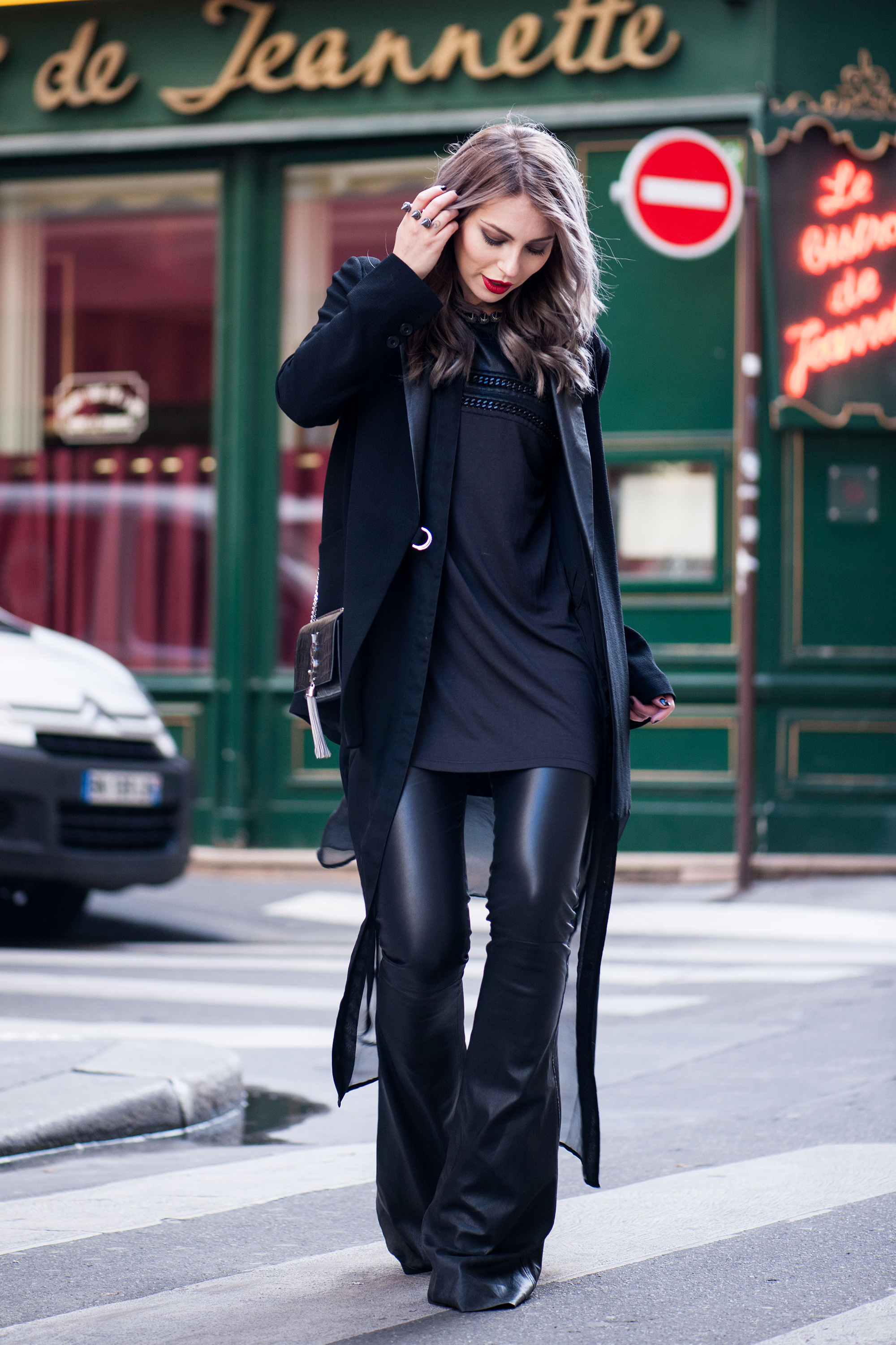 70s-leather-flared-pants-streetstyle-paris-1
