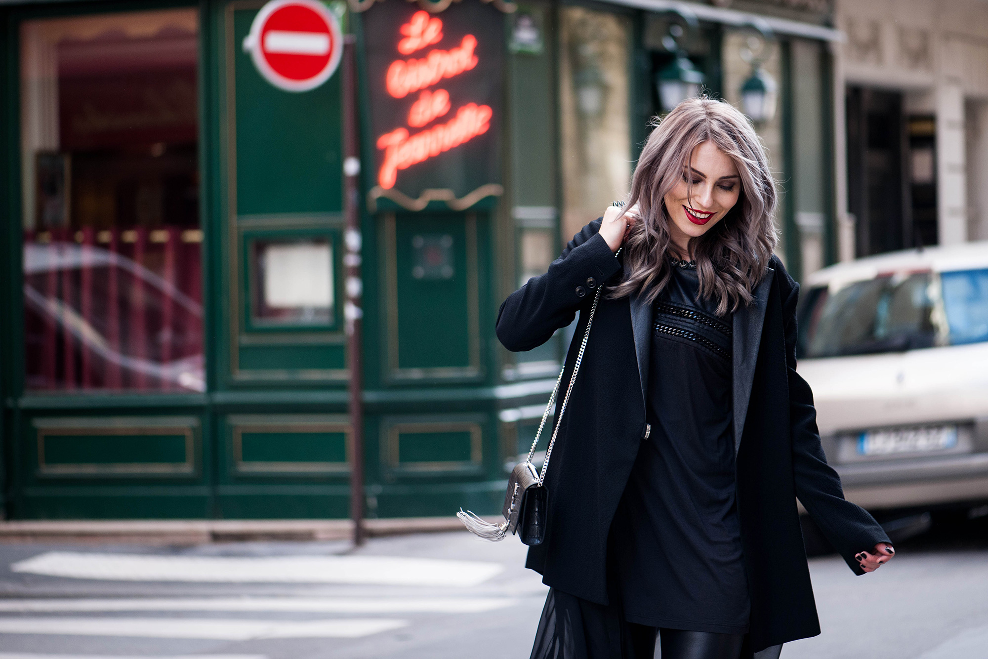 70s-leather-flared-pants-streetstyle-paris-5
