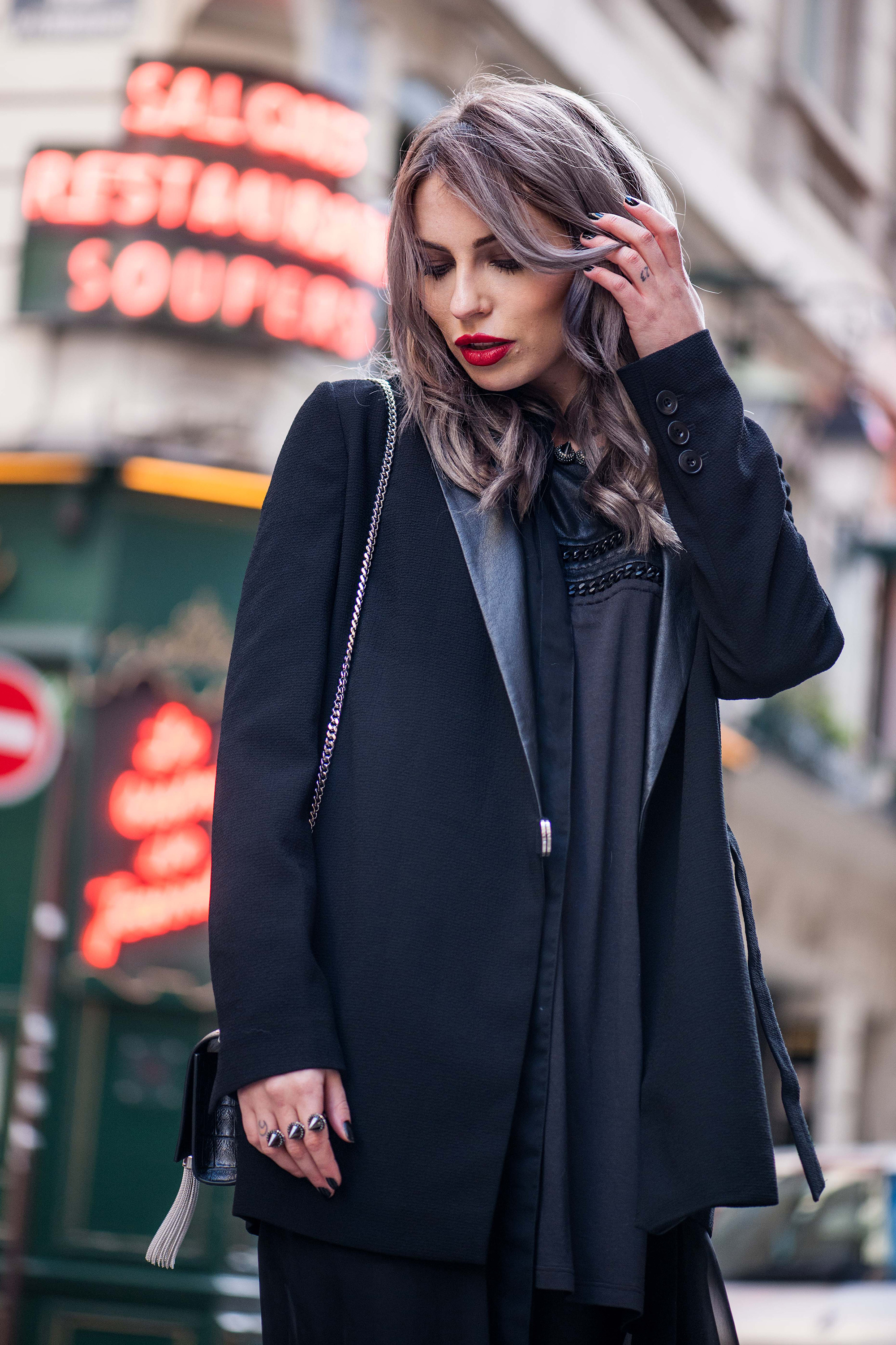 70s-leather-flared-pants-streetstyle-paris-7