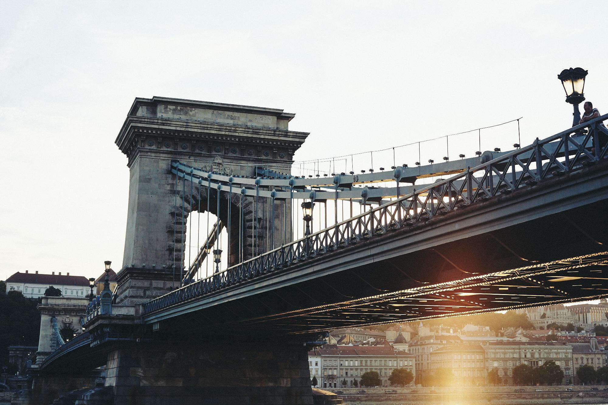 maxmotel_budapest_aug2015_day01_06_danube_bridge_0276