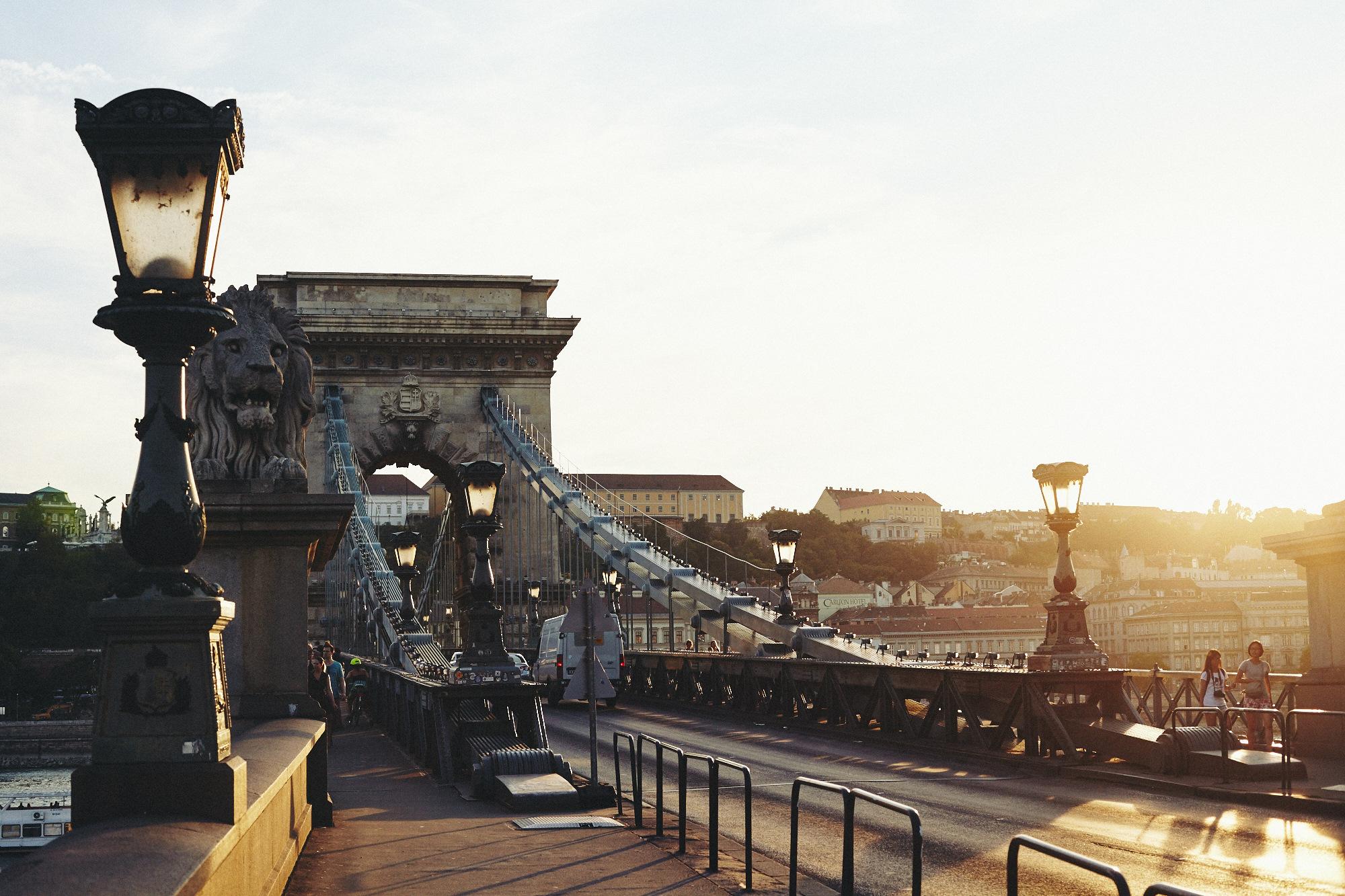 maxmotel_budapest_aug2015_day01_06_danube_bridge_0293