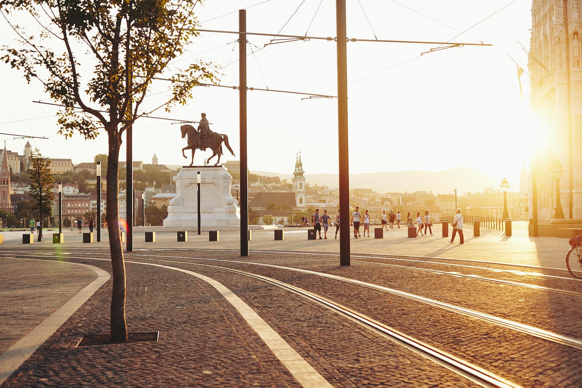 maxmotel_budapest_aug2015_day01_09_parliament_evening_0454