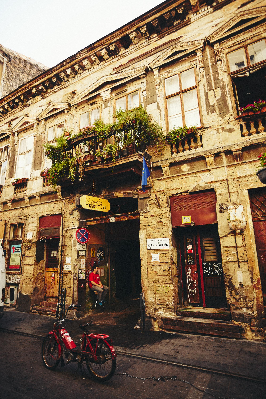 maxmotel_budapest_aug2015_day03_07_tour_bar_2204