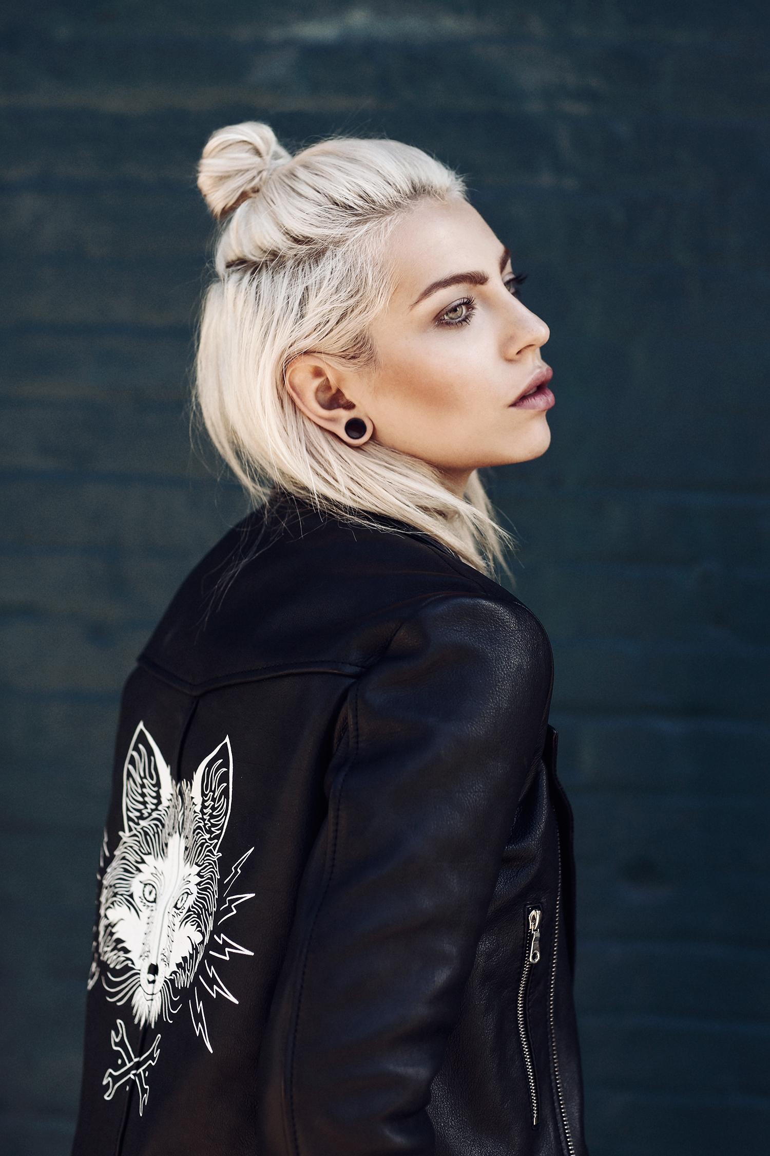 Masha Sedgwick |Portrait | platin blonde hair styles: sleek, braided, bun