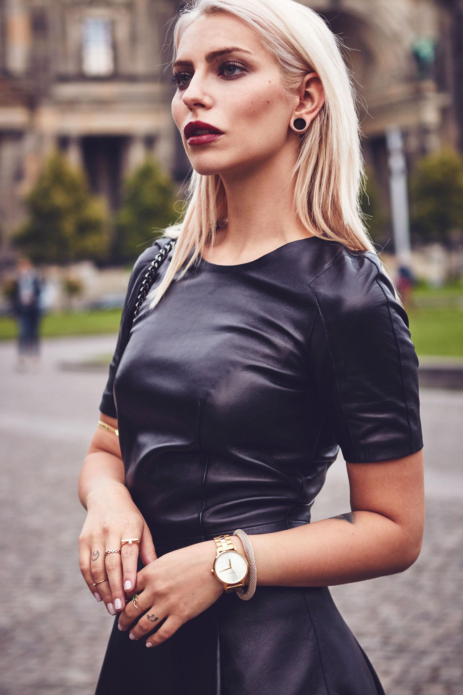 Das Lederkleid The Leather Dress Кожаное платье