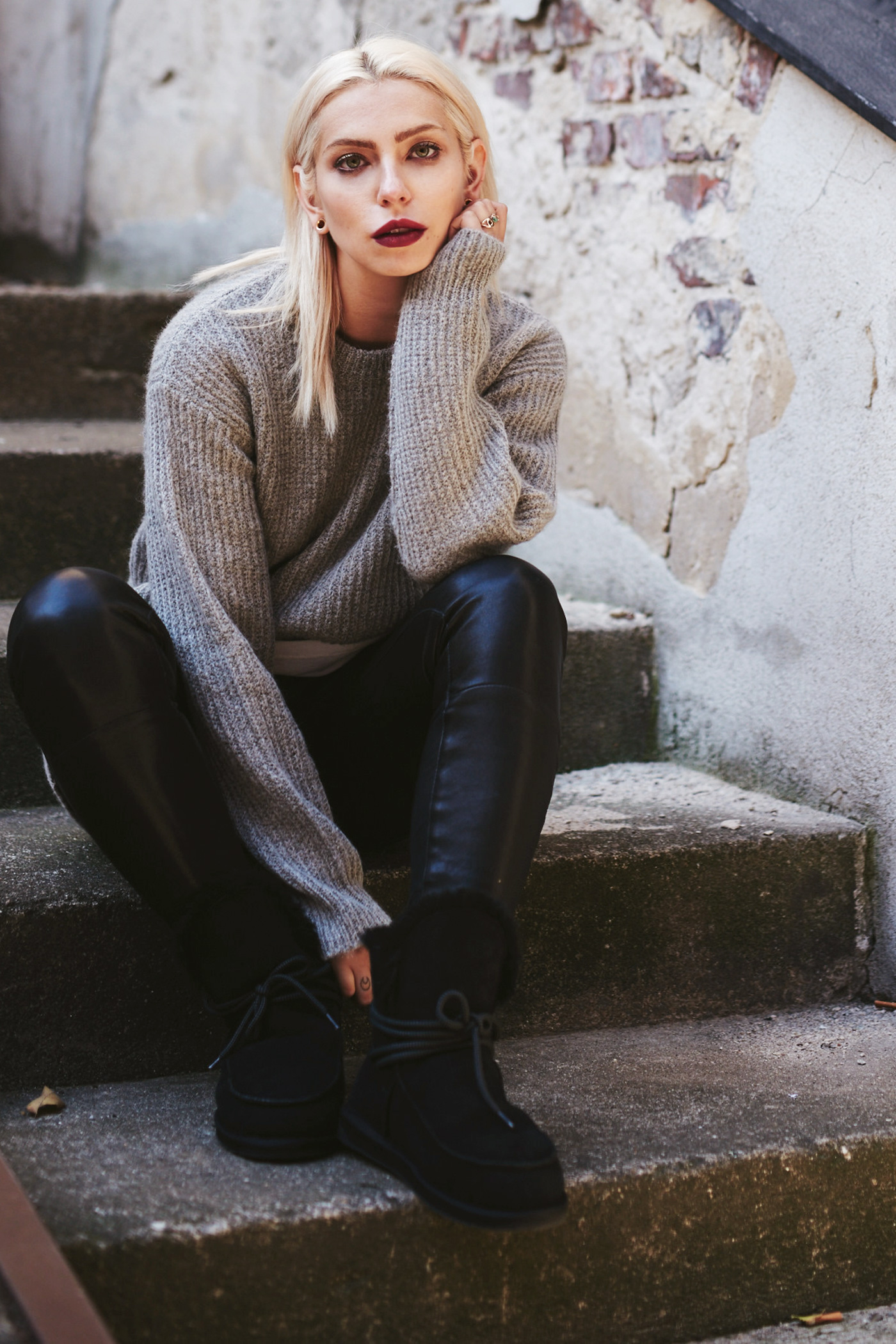 View more details on my blog   via Masha Sedgwick   Fashion Blog from Berlin   Outfit: comfy winter style   lambskin boots