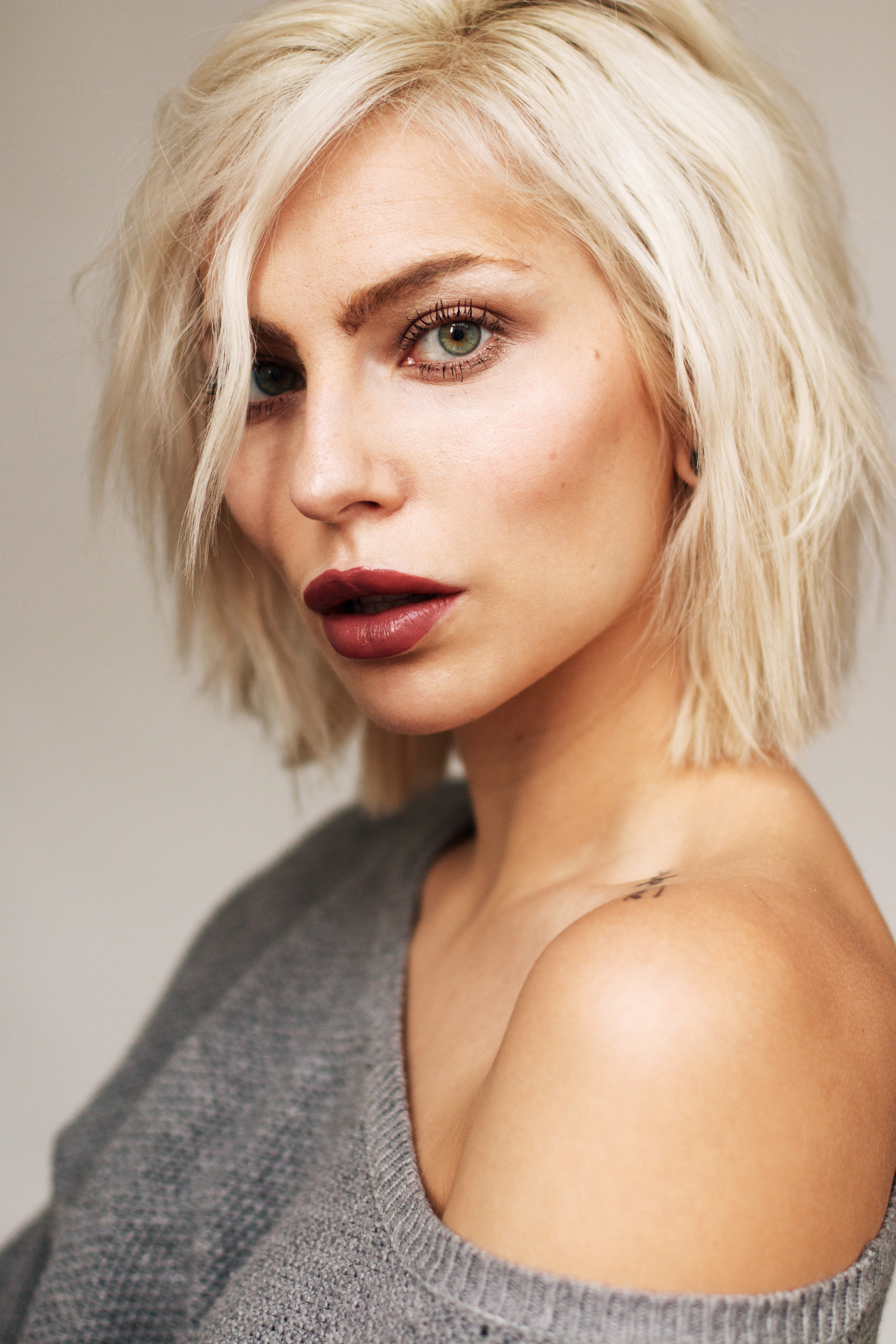 view more pictures on my blog | platin blonde hair | longbob | bob hair style