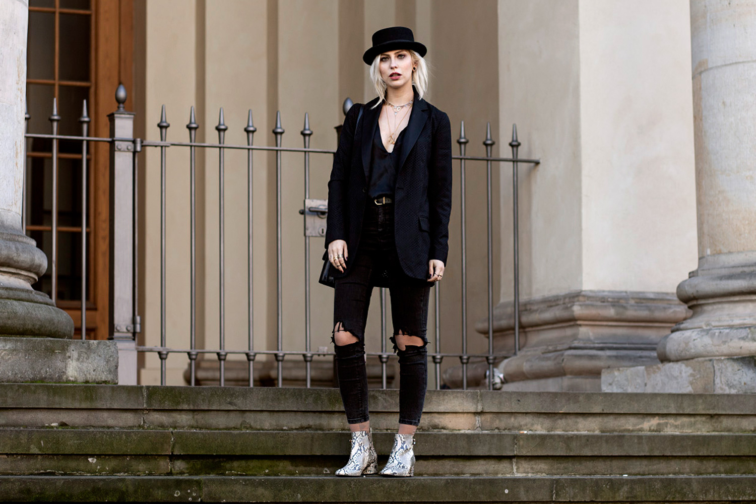 black-circus-outfit-10