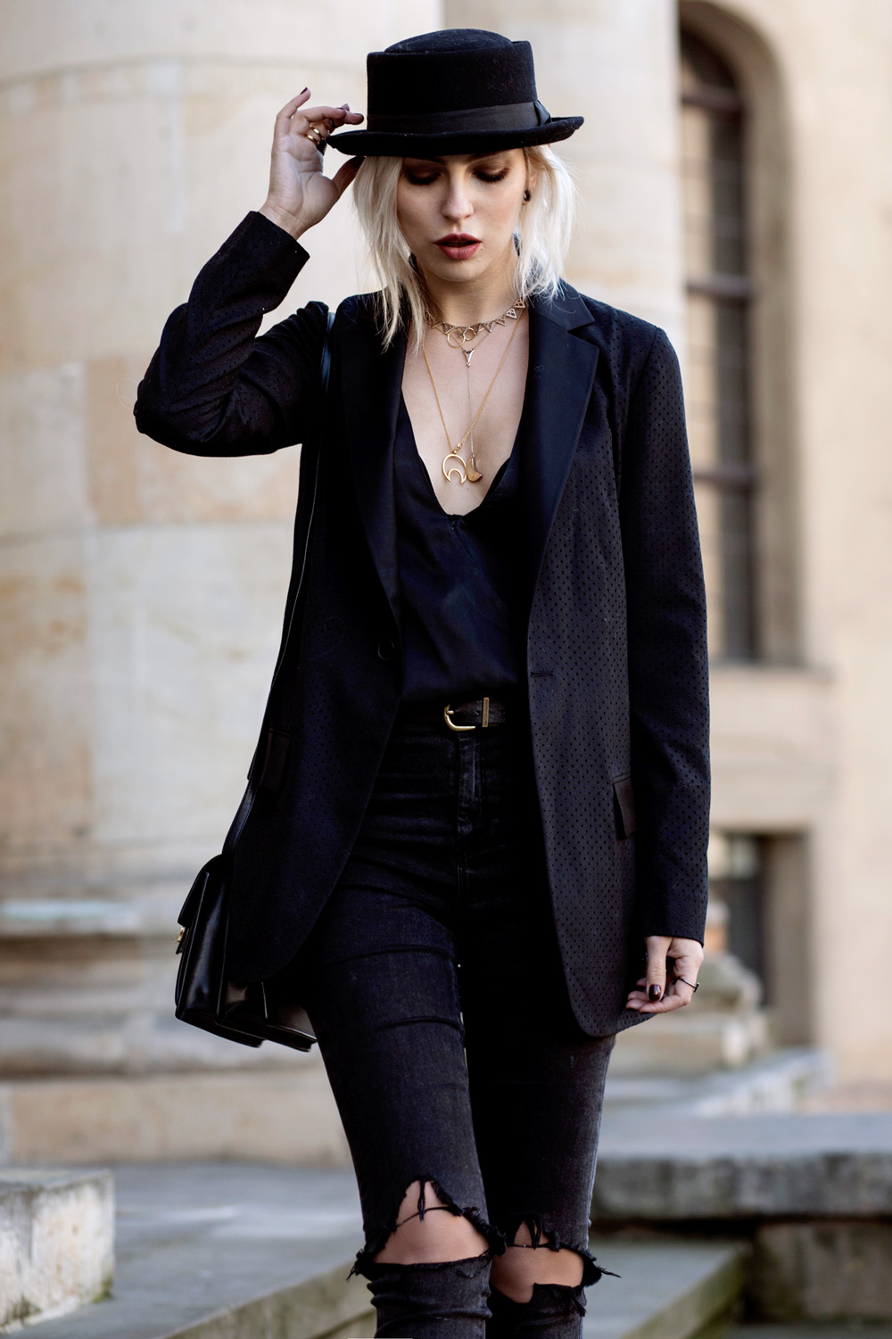 black-circus-outfit-6