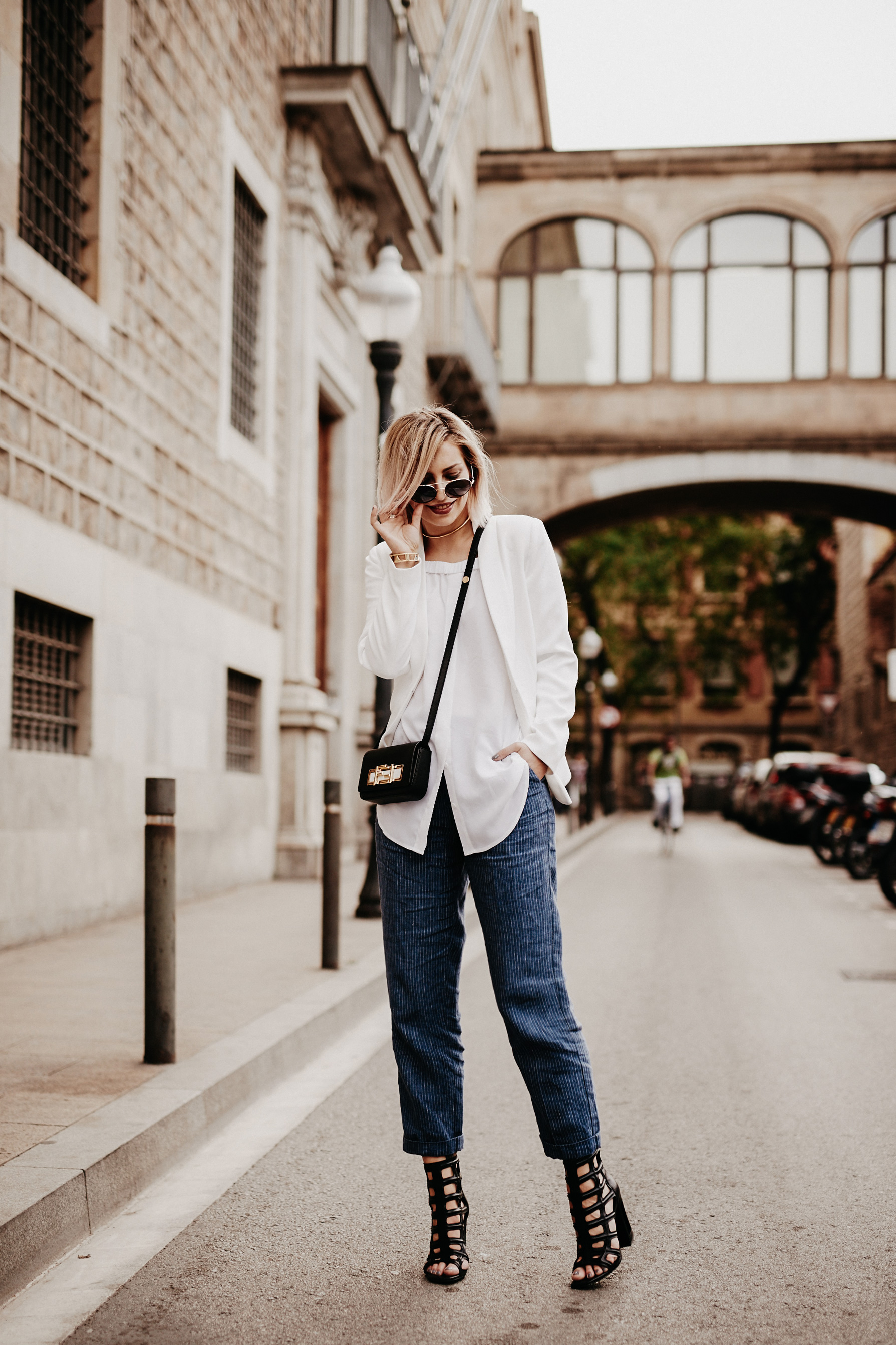 blue-white-outfit-barcelona-4