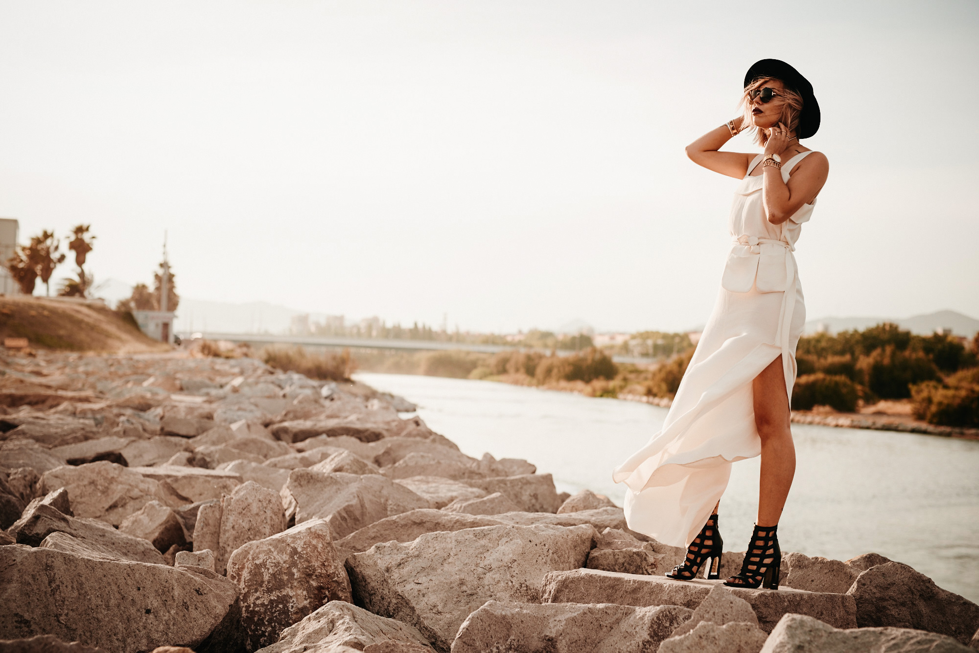 the white summer jumpsuit from German designer Nobi Talai | shooting location: Barcelona