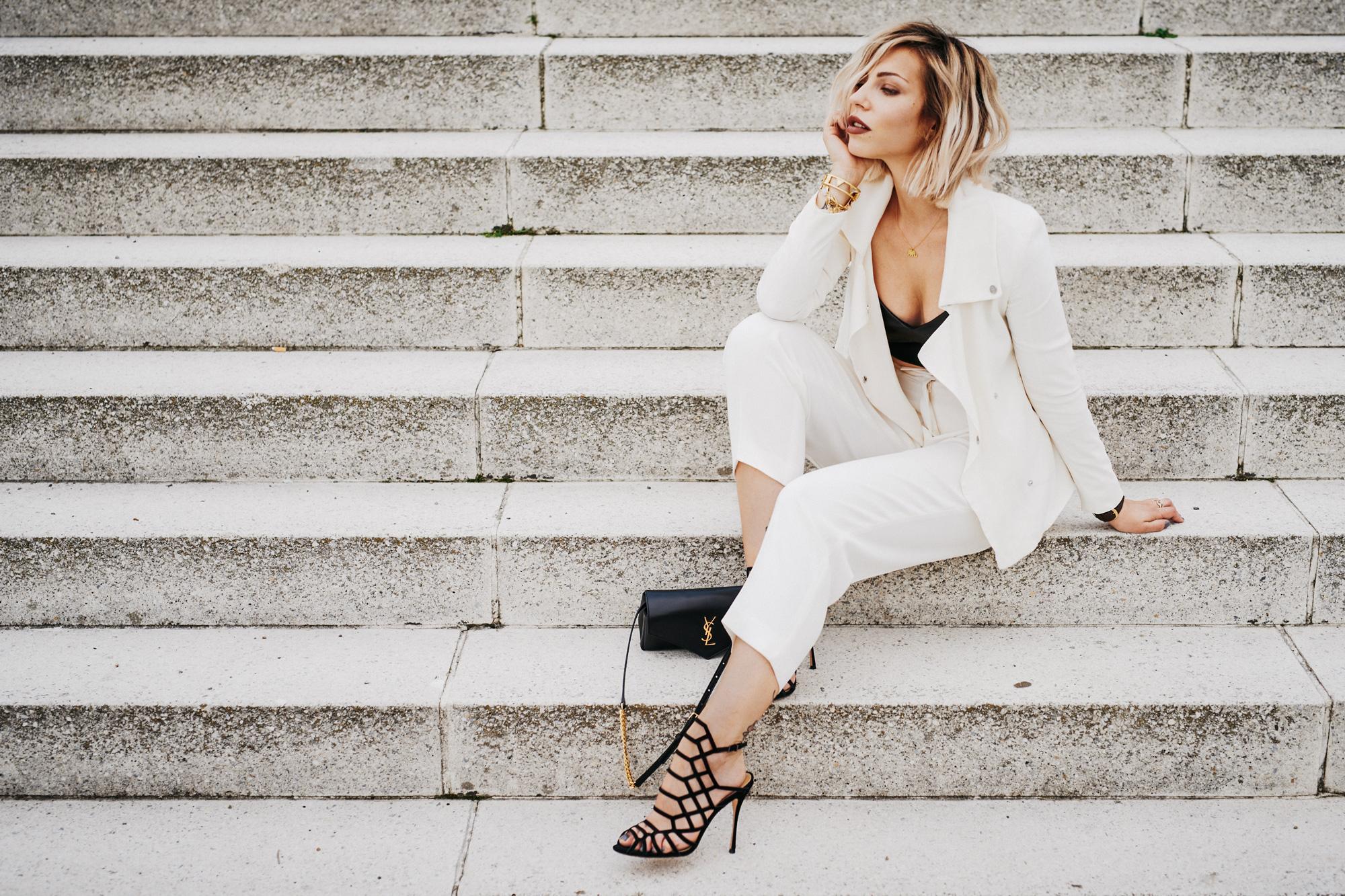 Неделя моды в Берлине | белый костюм от Hugo Boss | ищи больше фотографий в моем блоге | местоположение: Haus der Kulturen der Welt, Берлин