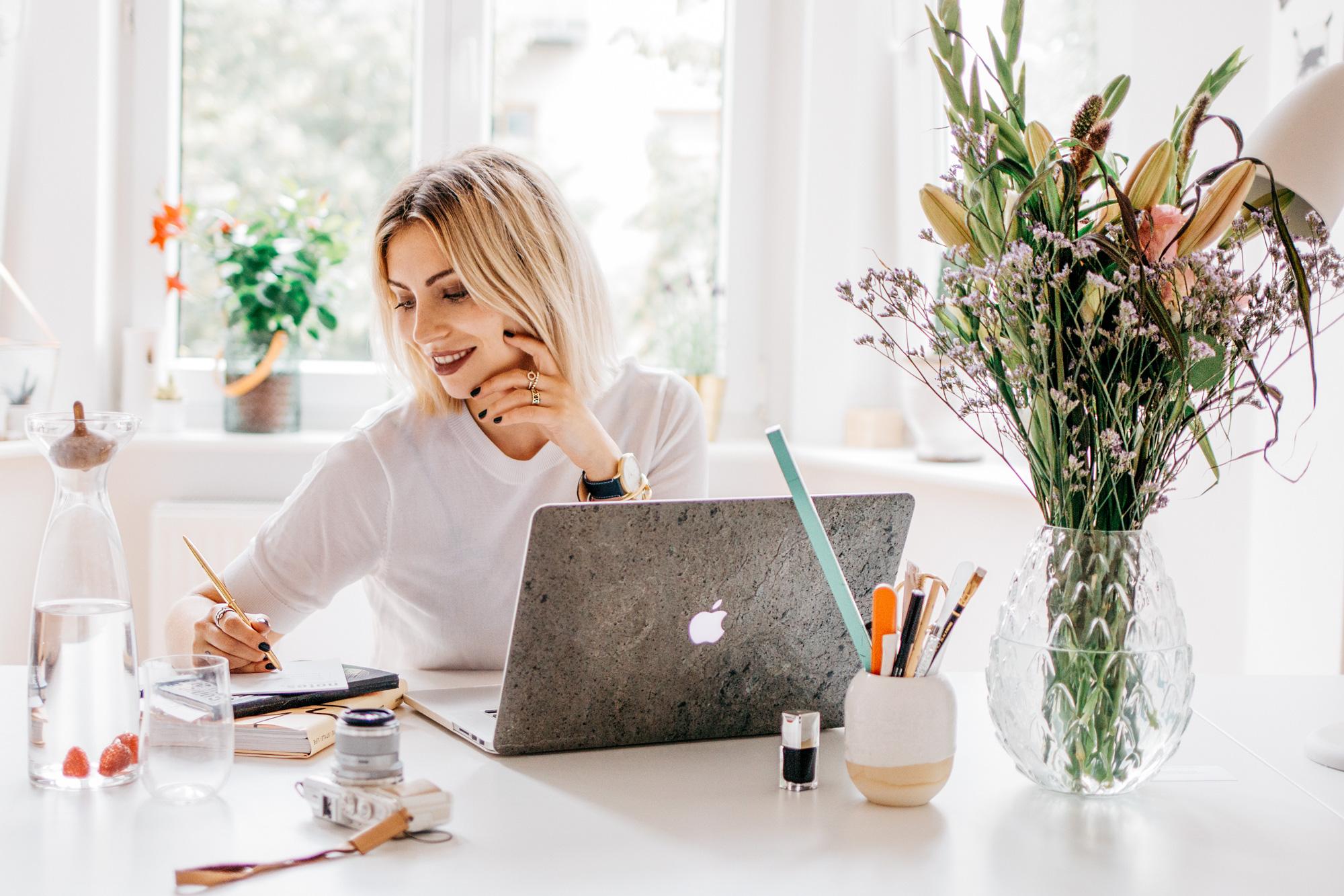 blogger-work-2
