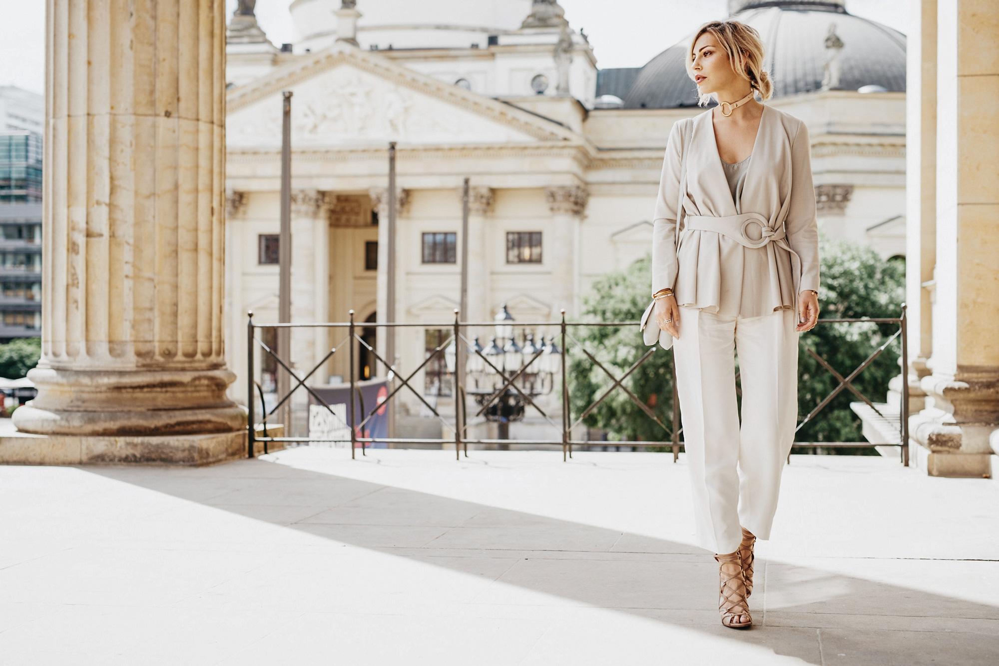 https://www.masha-sedgwick.com/wp-content/uploads/2016/07/pastel-outfit-4.jpg