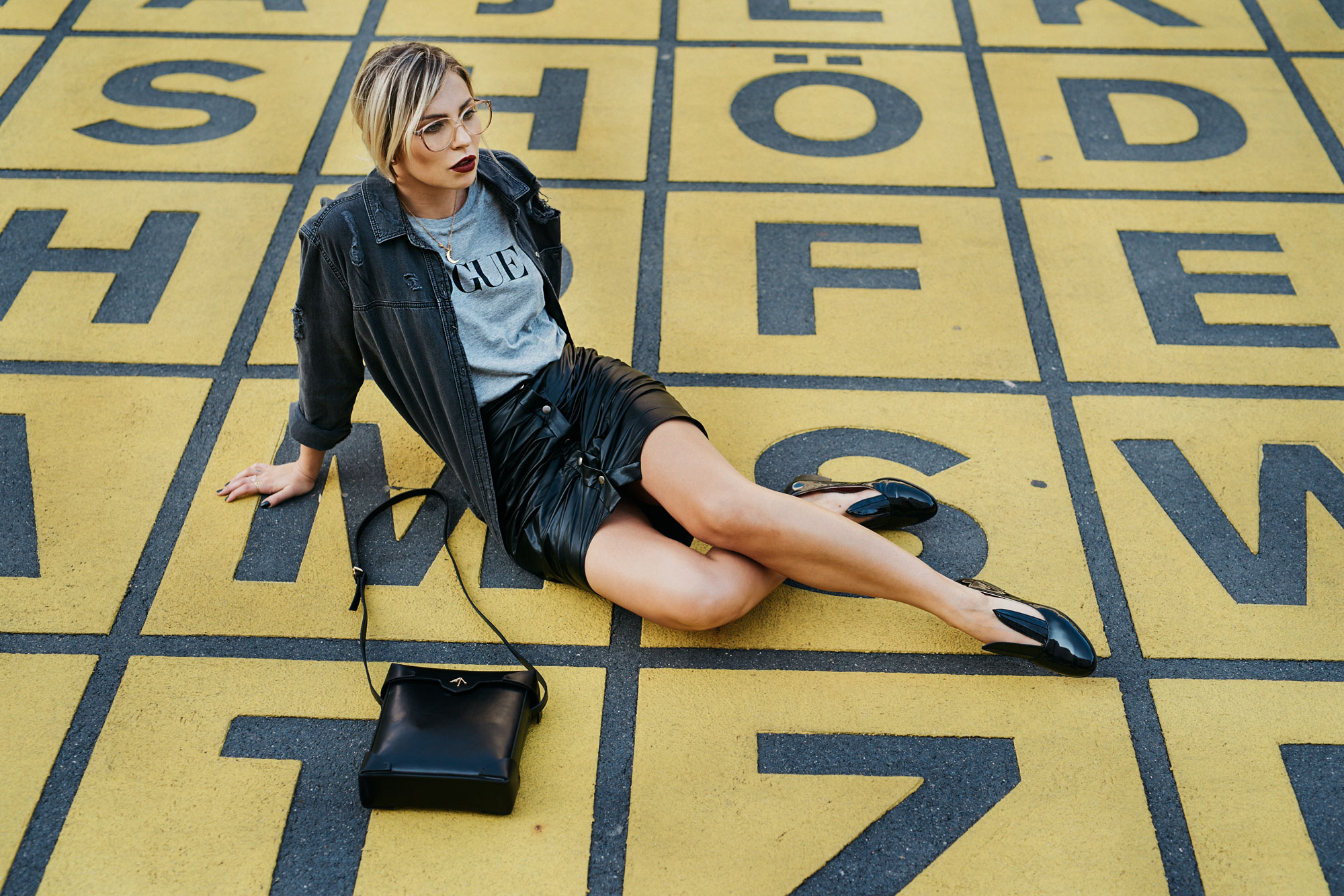 Outfit | style: classy, street style, edgy | shoes: Minna Parikka, bag: Manu Atelier, shirt: Vogue