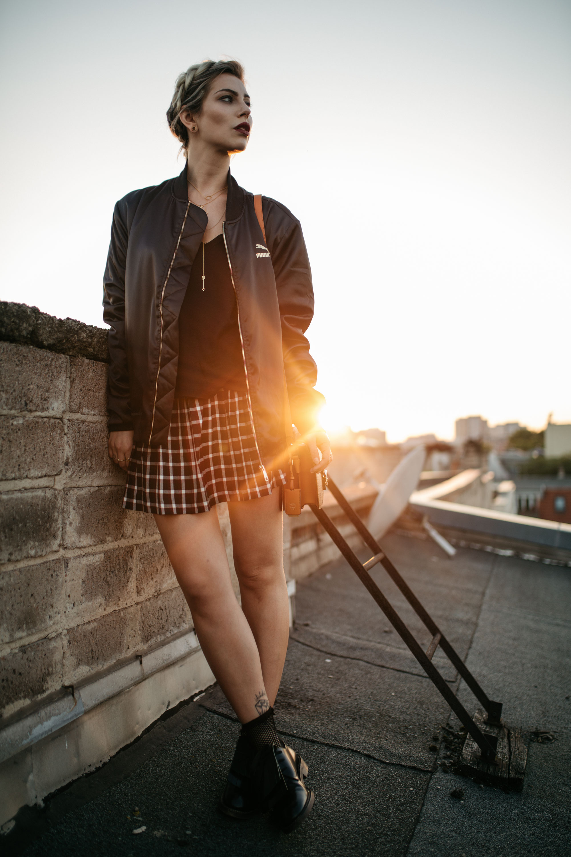 sundowner on the rooftop |Location: Berlin Friedrichshain | style: sporty, casual, girly, college | freedom