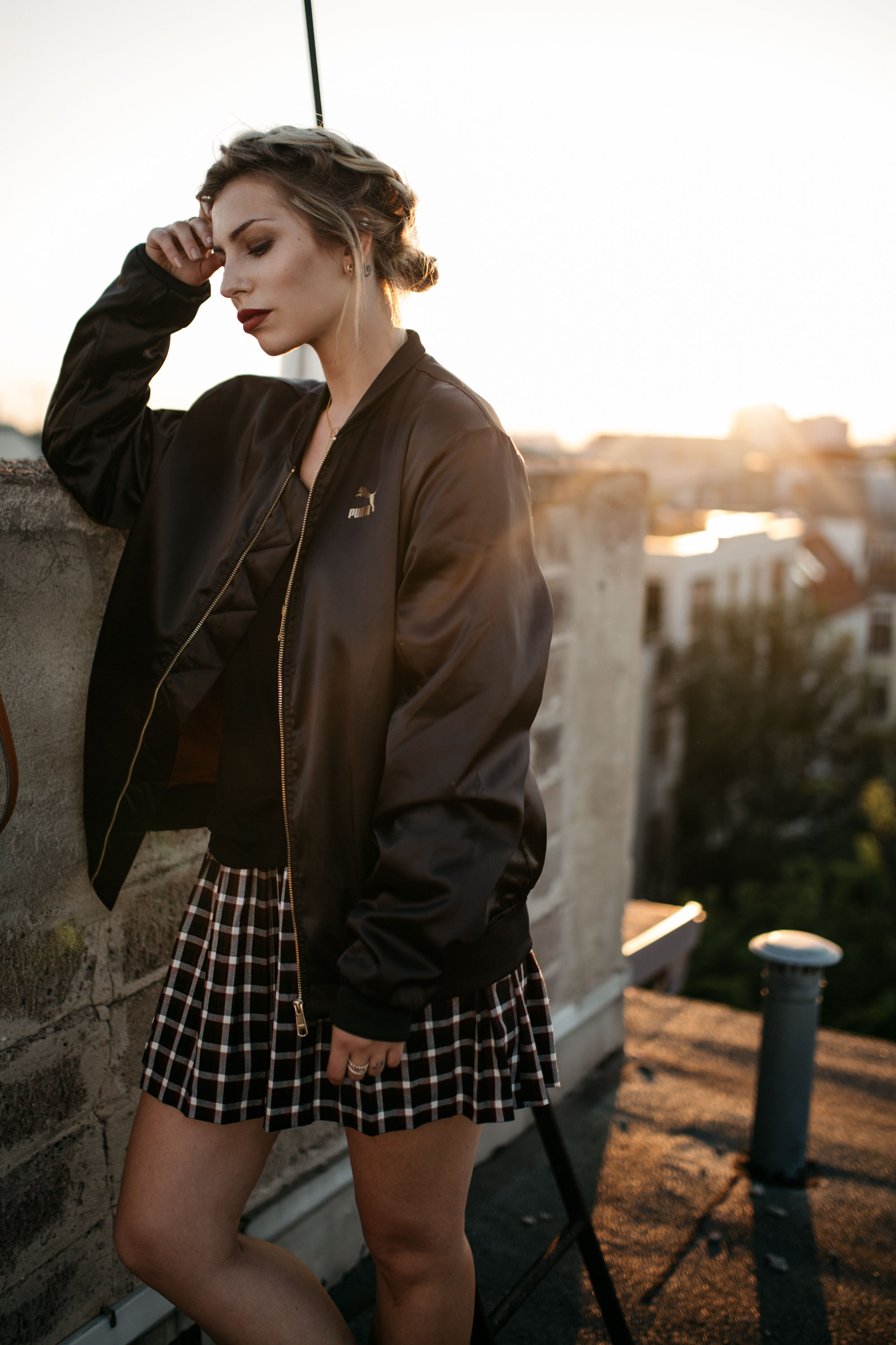 sundowner on the rooftop | Location: Berlin Friedrichshain | style: sporty, casual, girly, college | freedom
