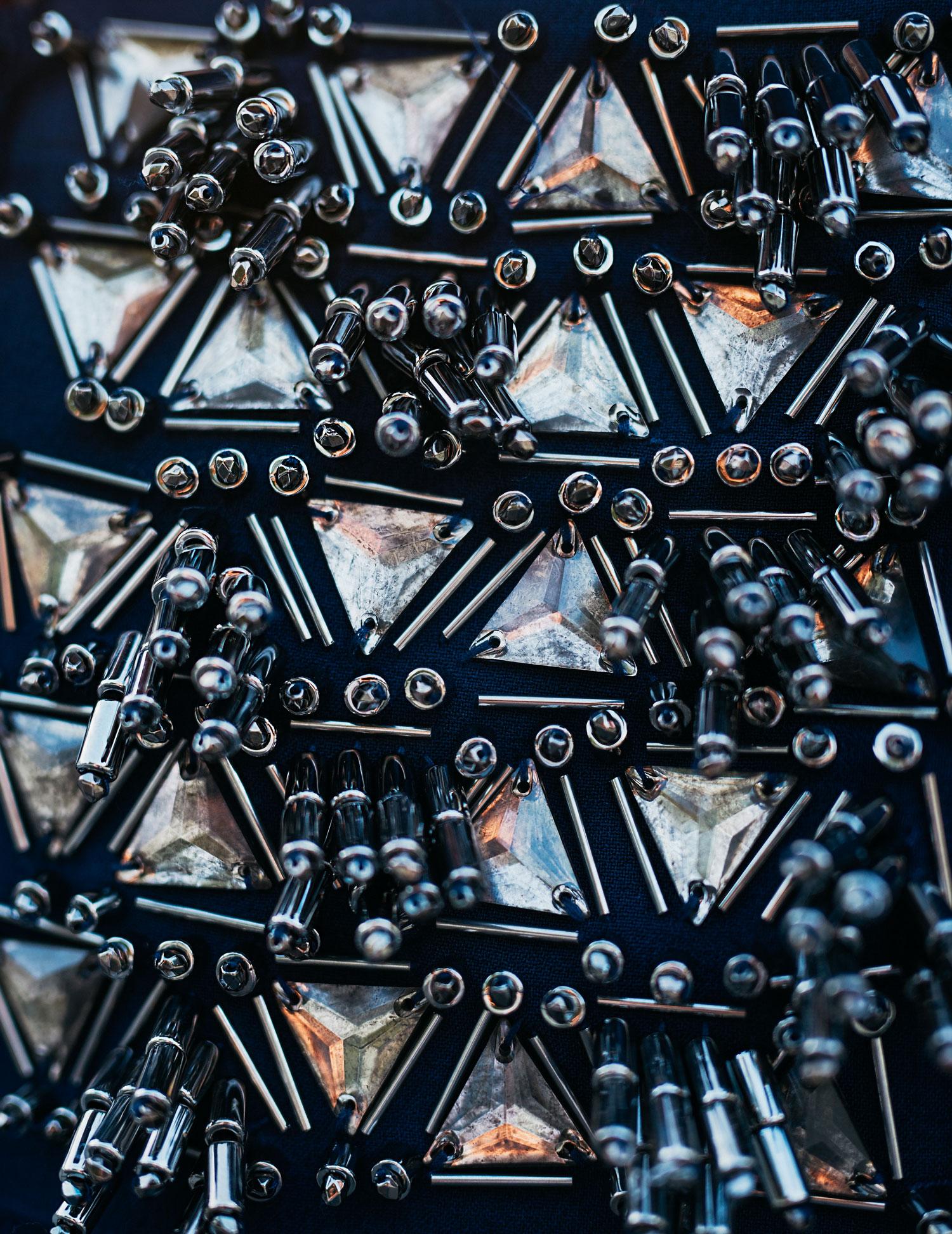 образ в синем| синий, пальто от Malene Birger AW16, пушистая сумка из искусственного меха от Karl Lagerfeld в темно-синем | стиль: повседневный, горячий, сексуальный| мода