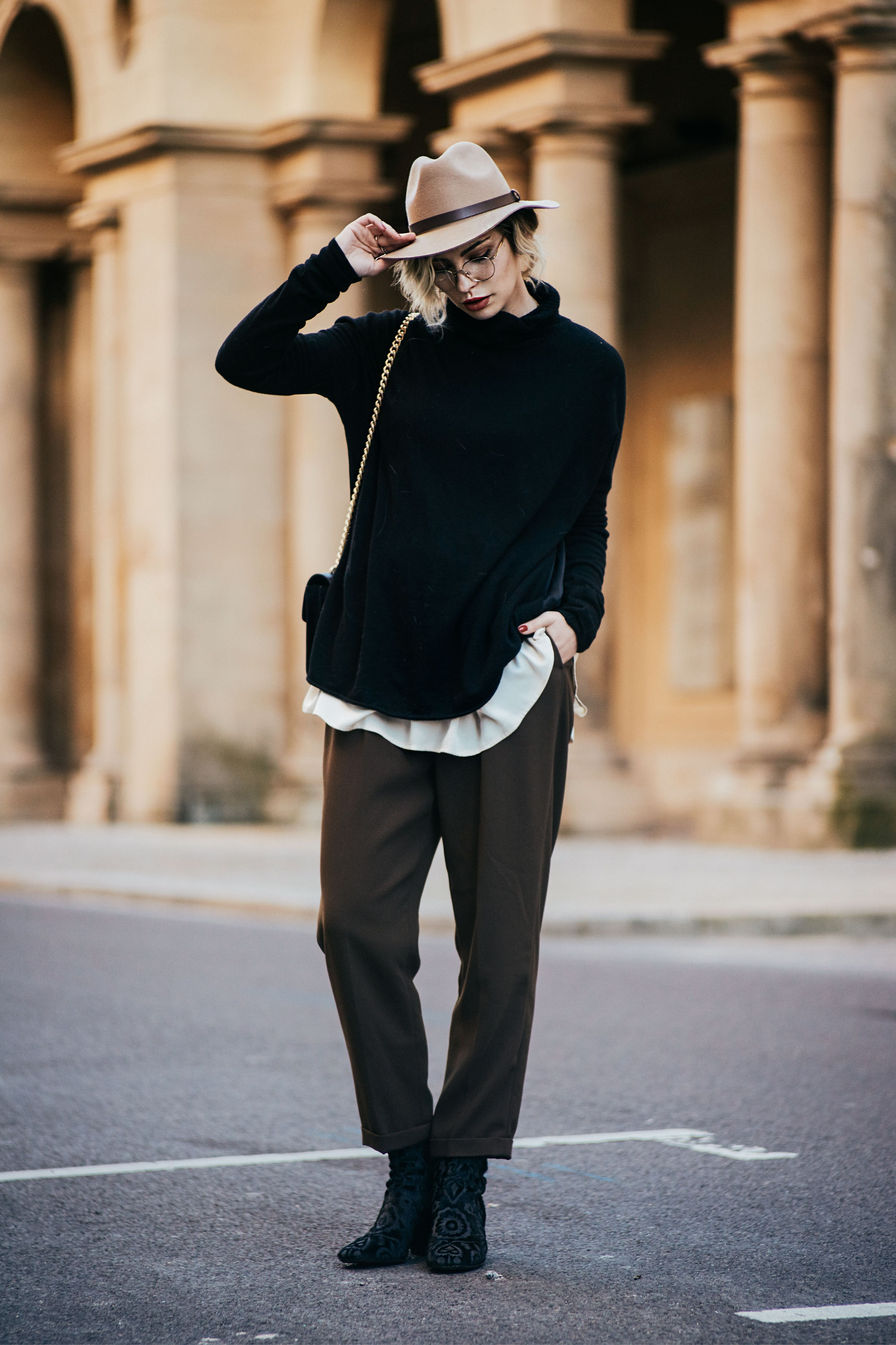Masha Sedgwick | Blog | Germany | Berlin | Outfit | Dandy | Essentials | Black Friday