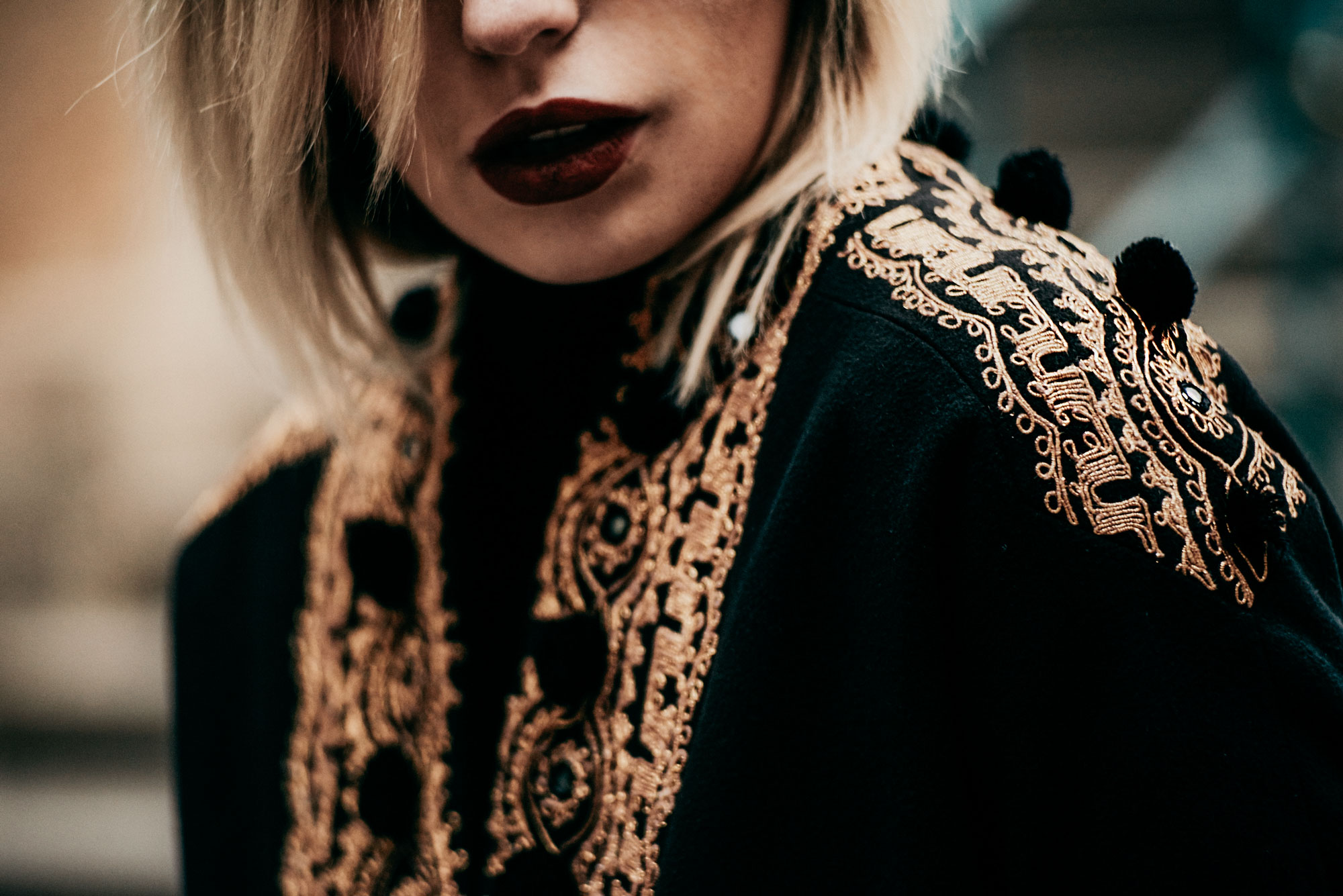 Wishes for 2017 | style: russian, glamorous, folklore, black, golden embroidery, festive, Christmas, vintage | fashion editorial shooting in Berlin