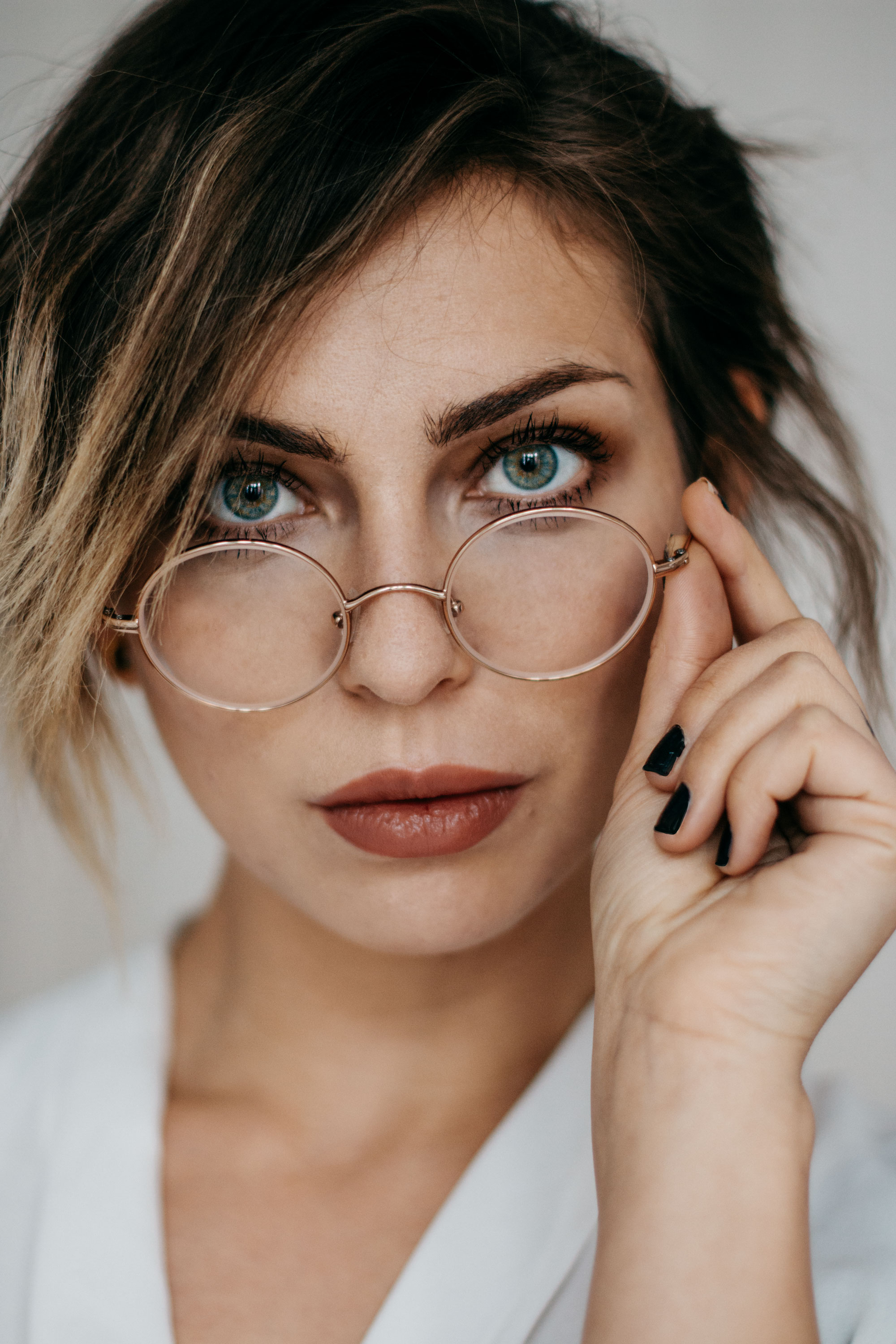 Portrait with glasses | Yun Berlin