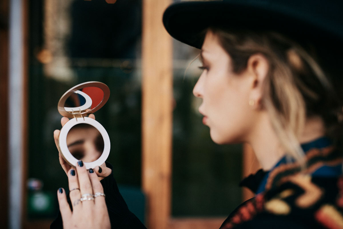 Фотография в очках   Yun  Берлин   блондинка