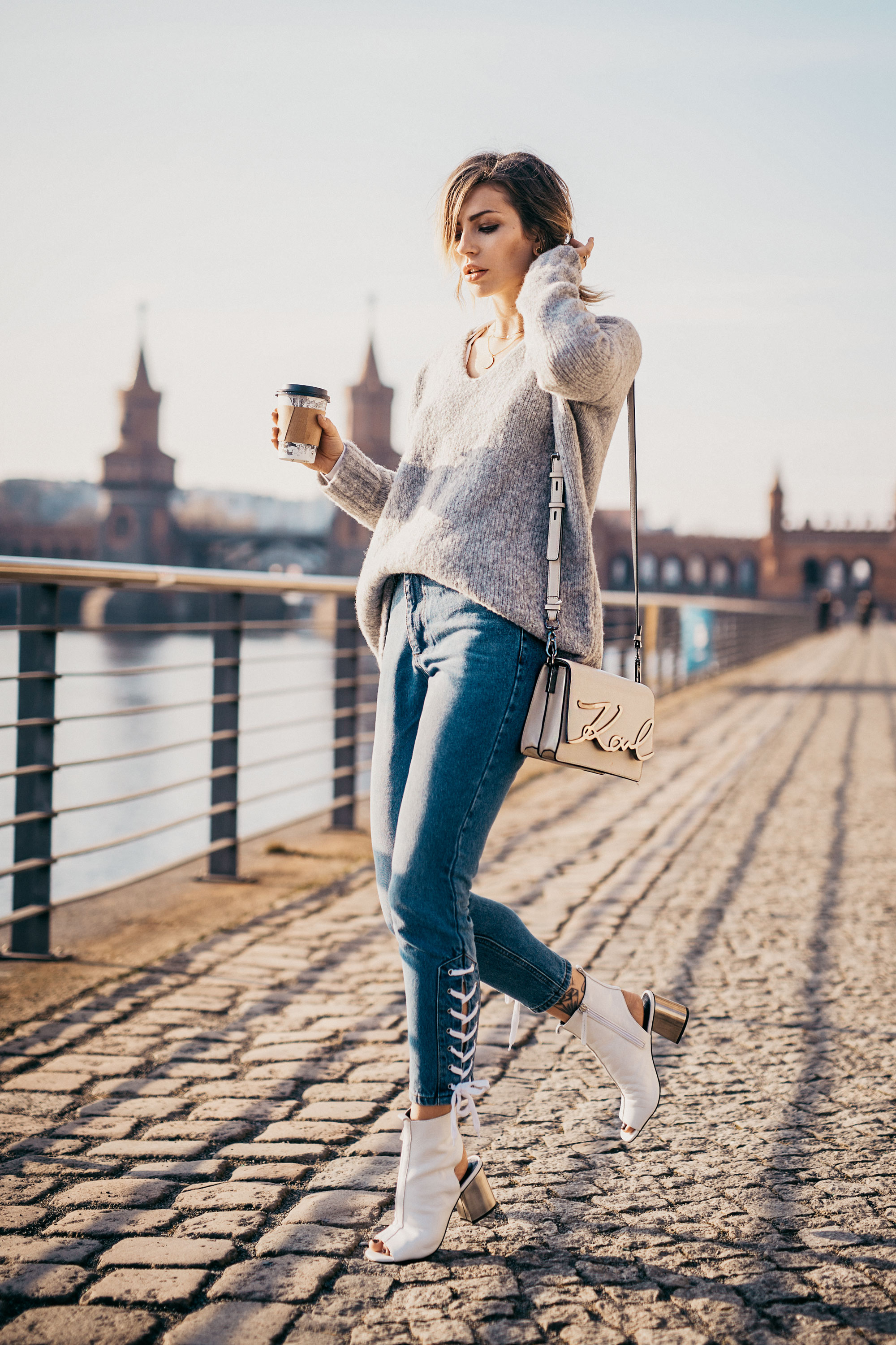 casual outfit in Berlin | street style: simple, daily, basic, blue jeans, effortless, spring