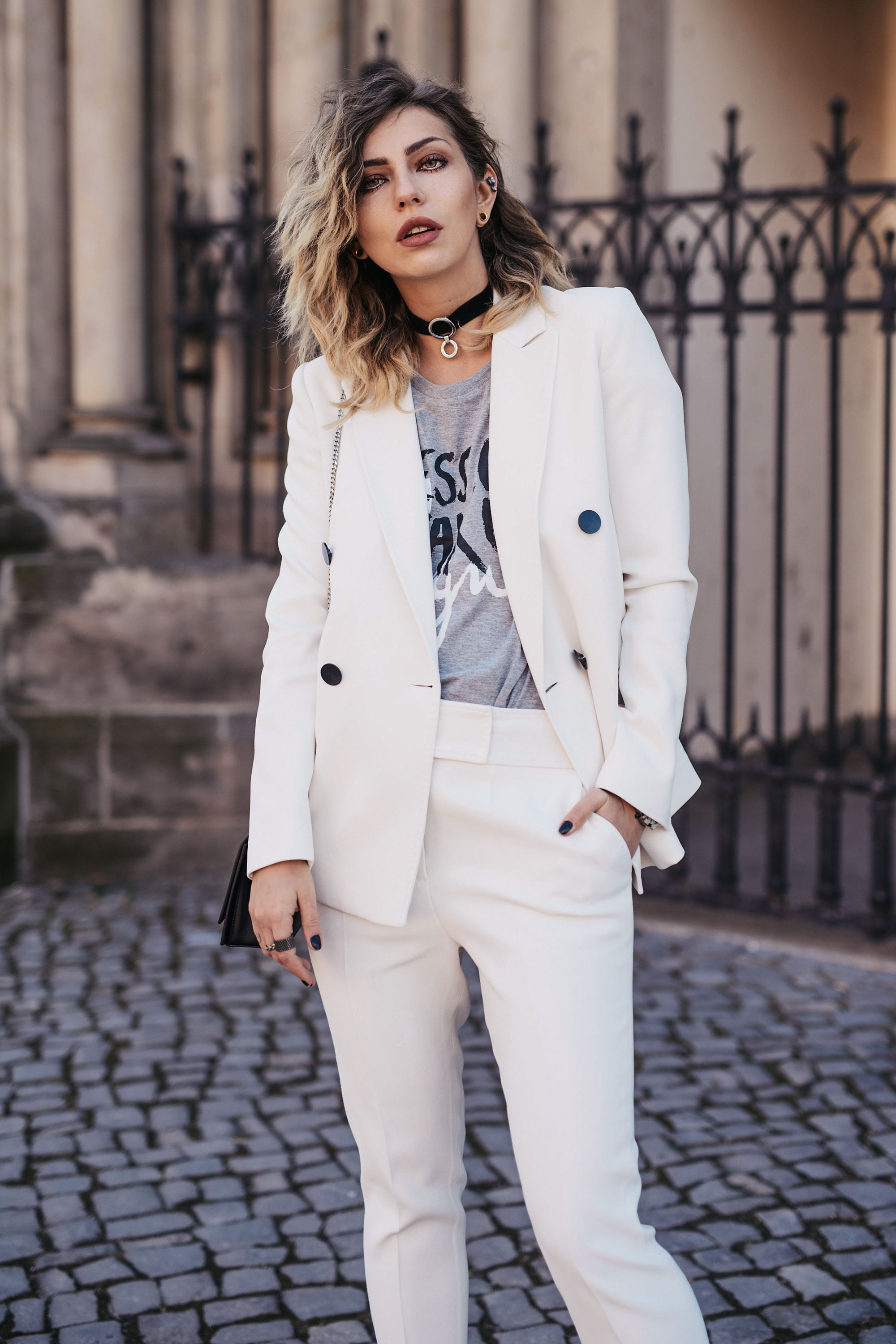 How to wear a white two piece and some thoughts about the Insta-Hate | Instagram, Instagate | style: cool, business, chic, effortless, minimalist, boyish, tomboy | taken by: Masha Sedgwick, Blogger from Berlin