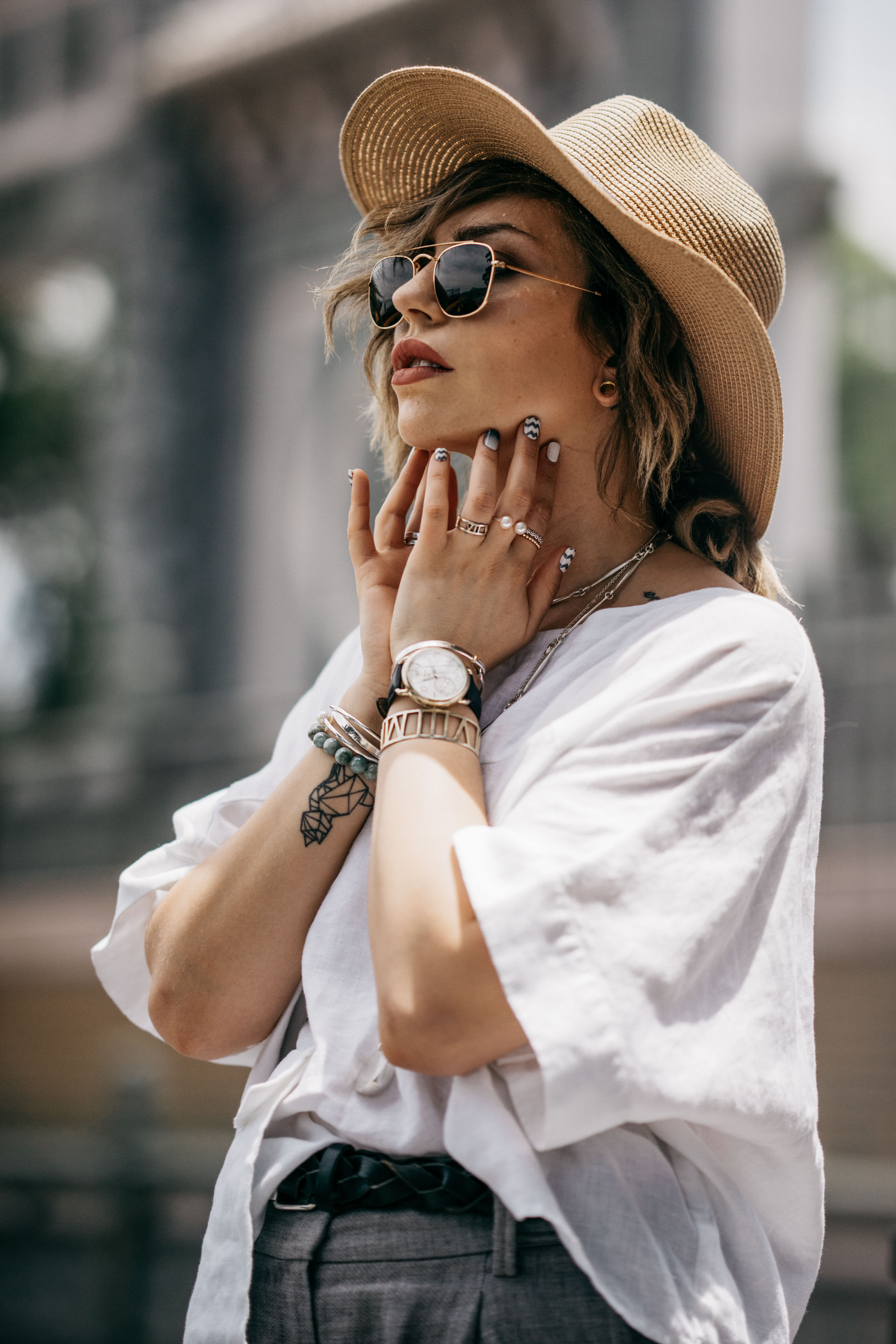 Masha Sedgwick, Slow the world down, Taiwan, Outfit, how to style a white blouse, summer outfit, casual, Berlin fashion blogger