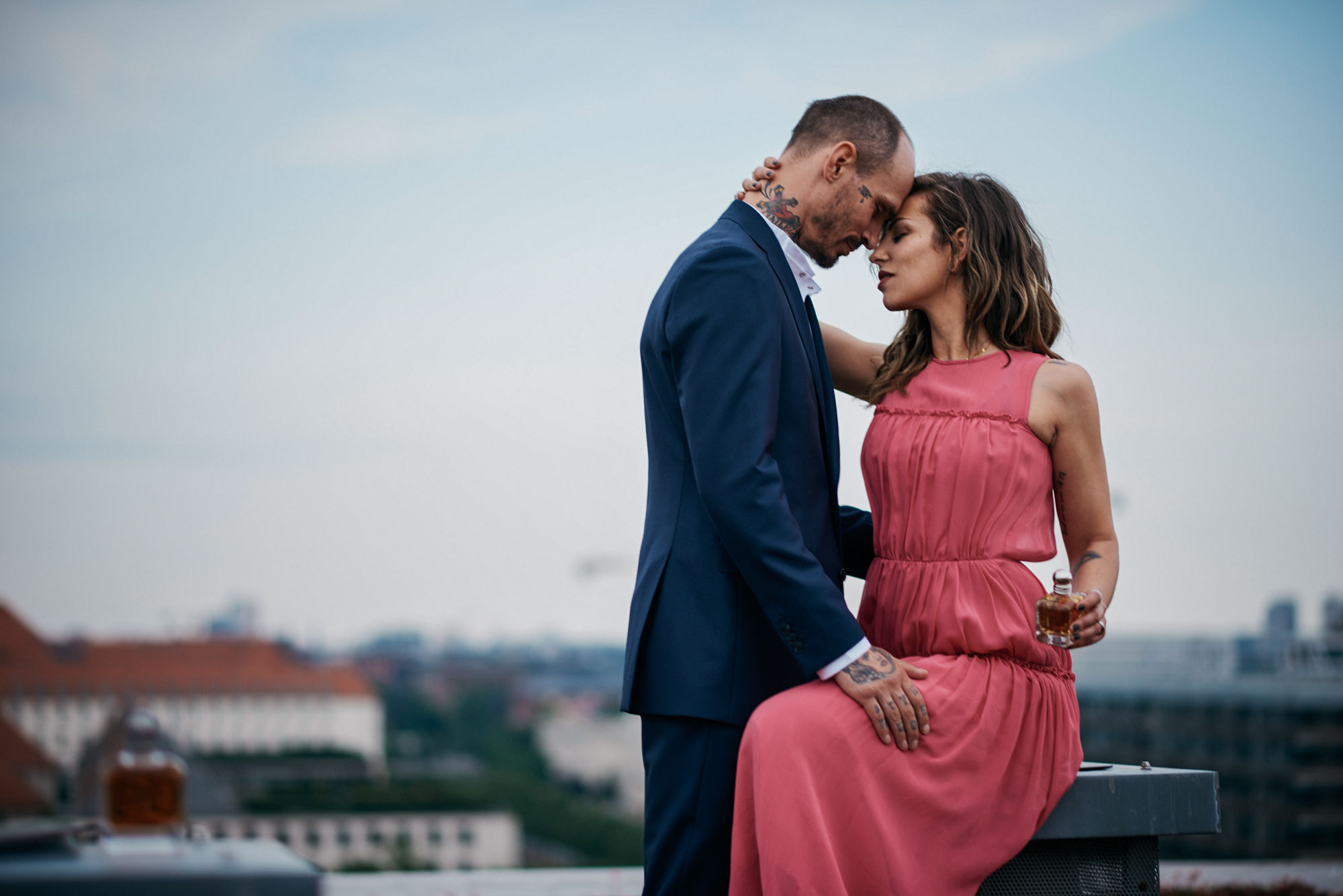 Masha Sedgwick with boyfriend Swen Losinsky in Berlin | Blogger Editorial Shooting for the new Armani fragrance 'Stronger with you' and 'because it's you' | Location: industrial rooftop in Berlin when the sun goes down | personal thoughts about the issue 'what's the secret of a good relationship?' | style: evening dresses, love, couplegoals, couple, Tattoo