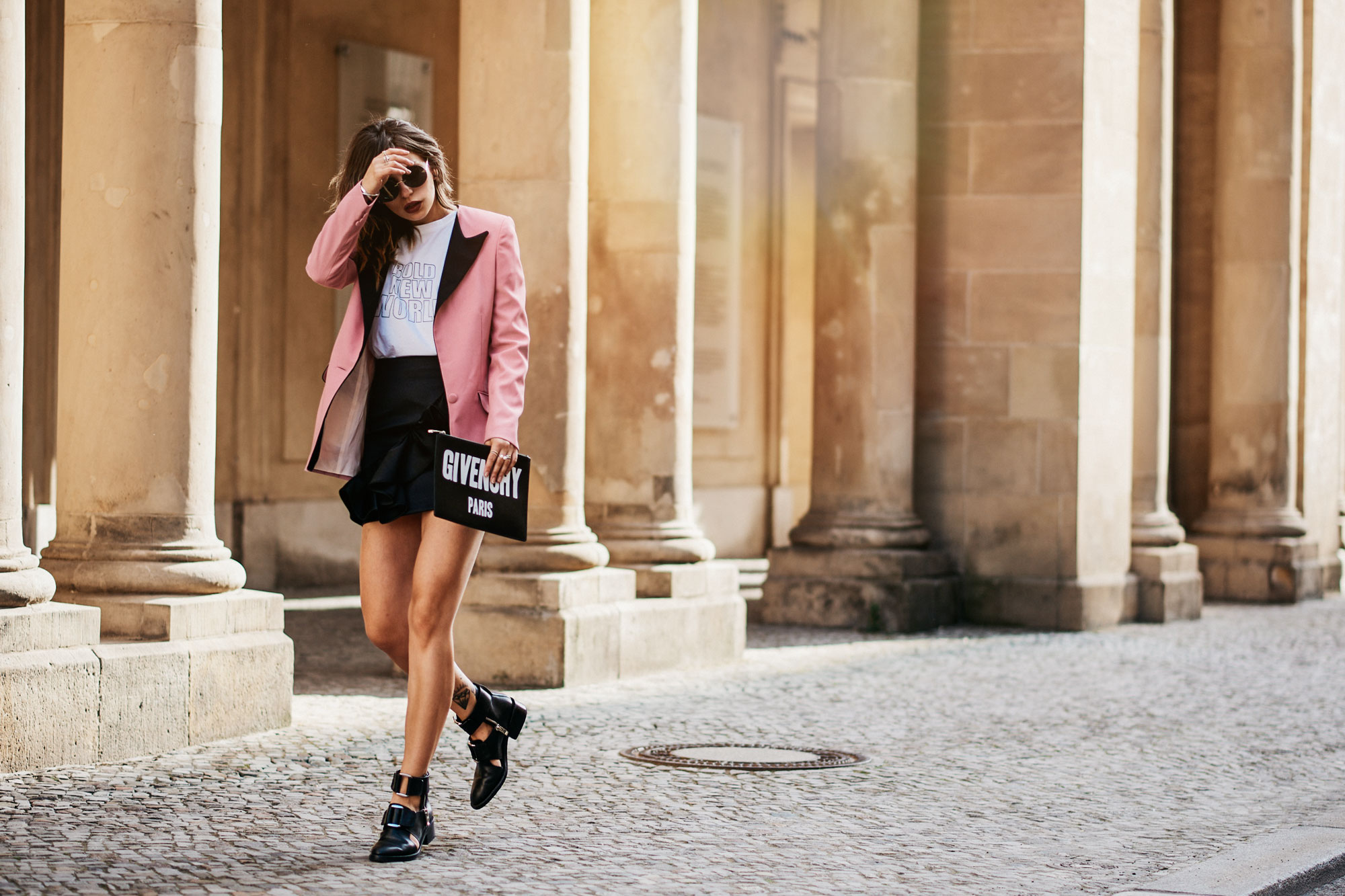 Outfit in Berlin | style: sexy, party, bold, pink, feminine, edgy, cool | pink Blazer from Hebe Studio, clutch from Givenchy, cut out boots from 3.1 Phillip Lim, skirt with ruffles from H&M