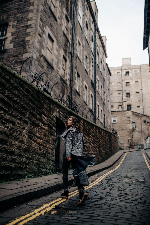 Fashion Editorial Shooting | Herbst Winter | Edinburgh, Schottland | Mode | Peek & Cloppenburg | Blogger | style: college, lässig, büro, kariert, Harry Potter | Marke: Tommy Hilfiger, Polo Ralph Lauren, Levi's, Jake's, Hugo, Max&co | Victoria Street | Tipps | Sehenswürdigkeiten | Hula Juice Bar | Cafe Royal