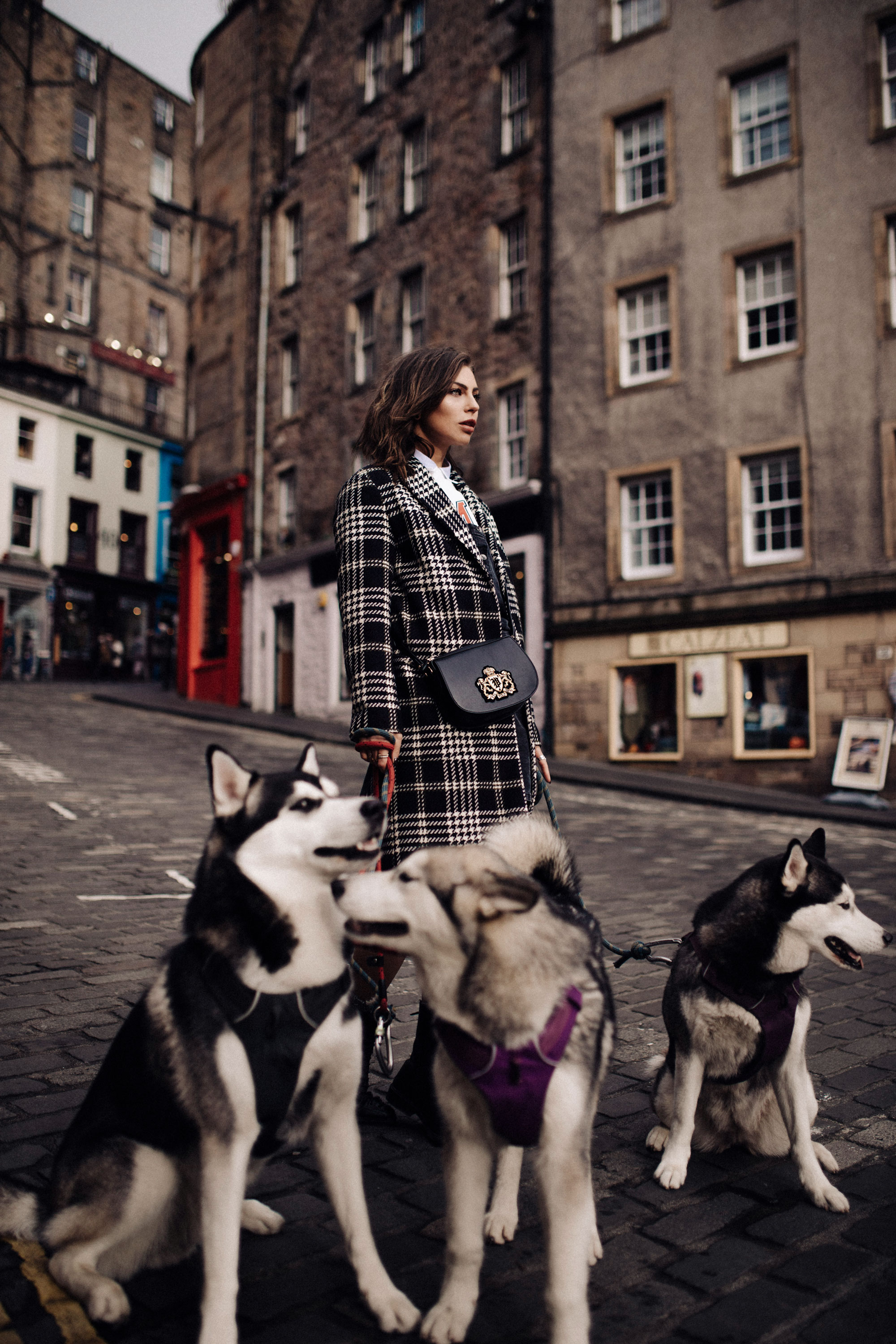 Fashion Editorial Shooting with Husky dogs | Autumn Winter | Edinburgh, Scotland | Peek & Cloppenburg | Blogger | style: college, casual, office, checked, Harry Potter | labels: Tommy Hilfiger, Polo Ralph Lauren, Levi's, Jake's, Hugo, Max&co