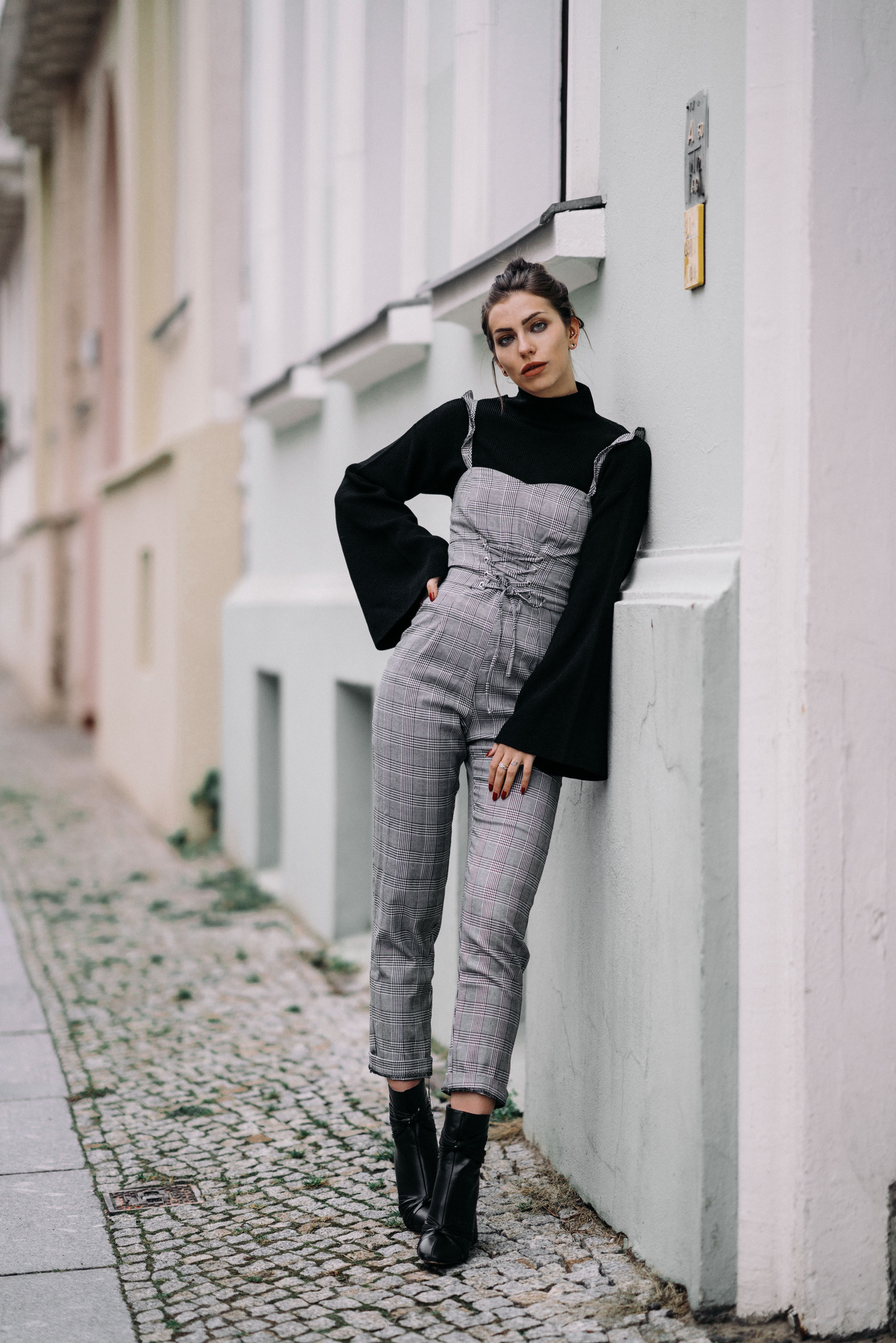 Zalando Style of the Day | Masha Sedgwick | Street Style | Fashion | brands: Topshop, Ivy Revel, Vans, Selected Femme, The Kooples, Holzweiler | Berlin | Street Wear | daily, casual, effortless, easy, sexy, sporty, office, chic, tomboy, relaxed, cool | weekly update | 2018