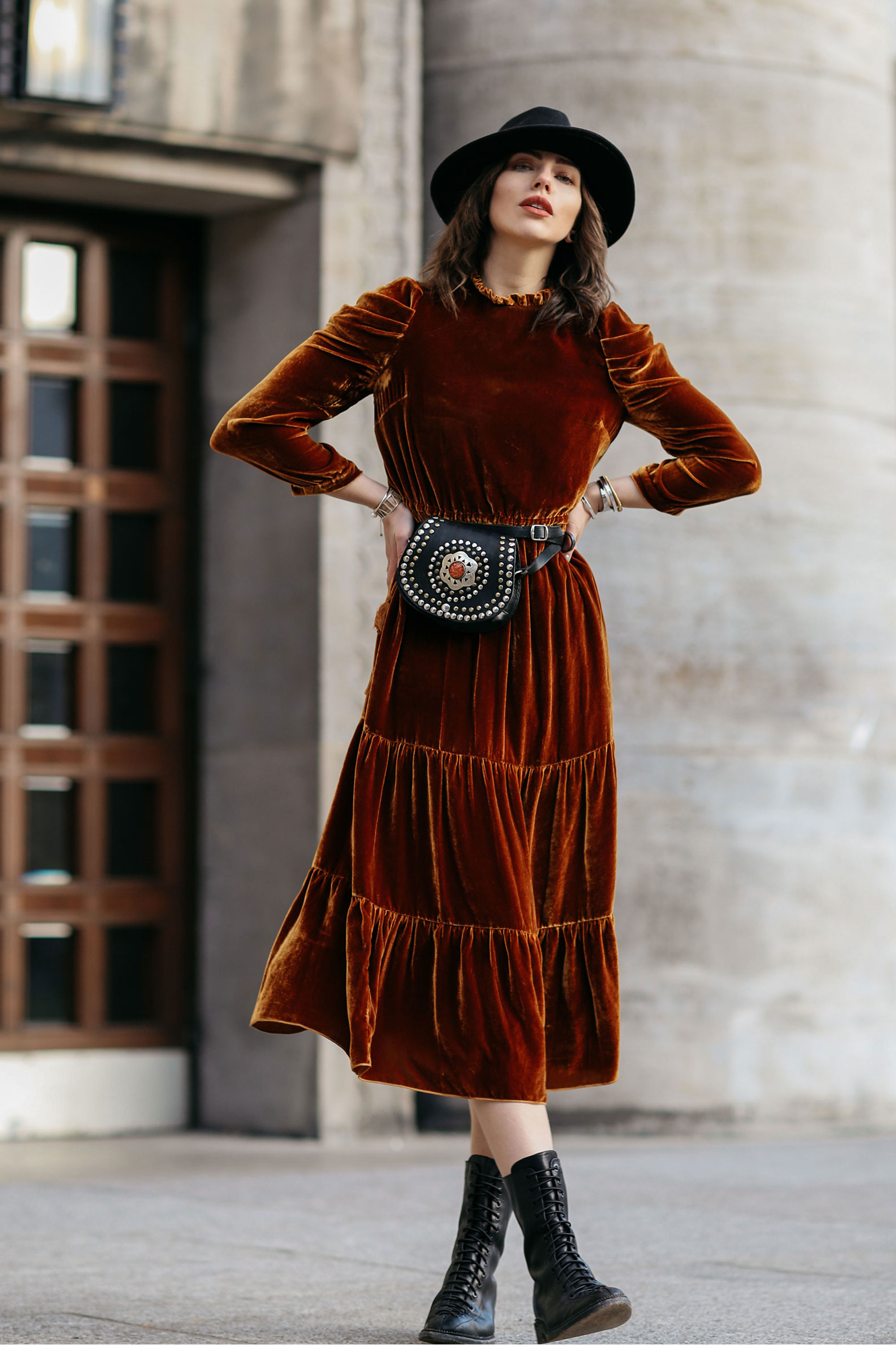 Street Style in Berlin | AW17 | Outfit | Fashion | velvet dress: Ulla Johnson | elegant, chic, velvet, boho, grunge | Autumn | Winter