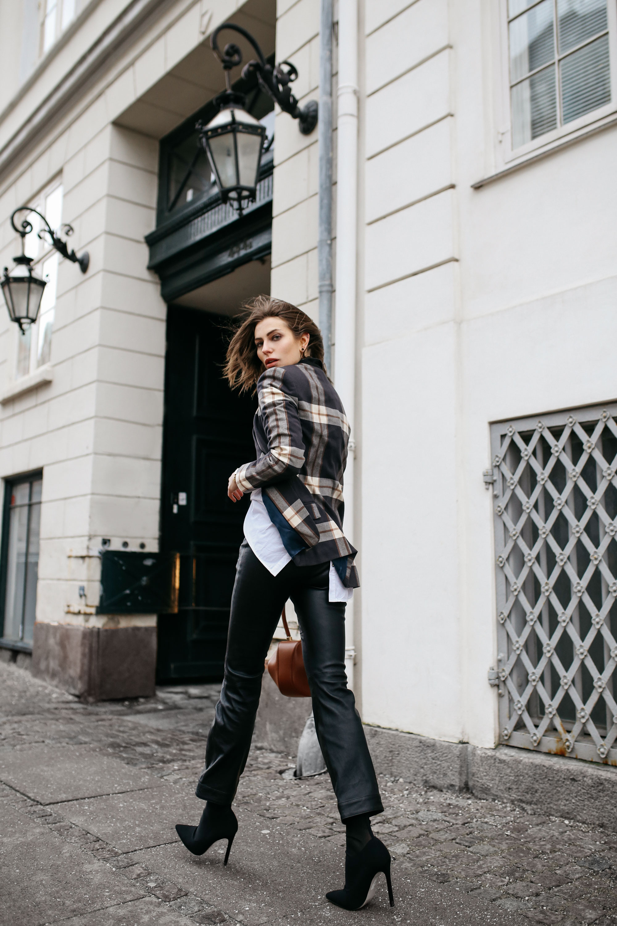 Street Style in Kopenhagen | Brands: Gestuz, By Malene Birger, Gabriela Hearst | Style: AW18 office, sexy, casual, business, edgy, checked, sophisticated | Fashion Blogger Editorial