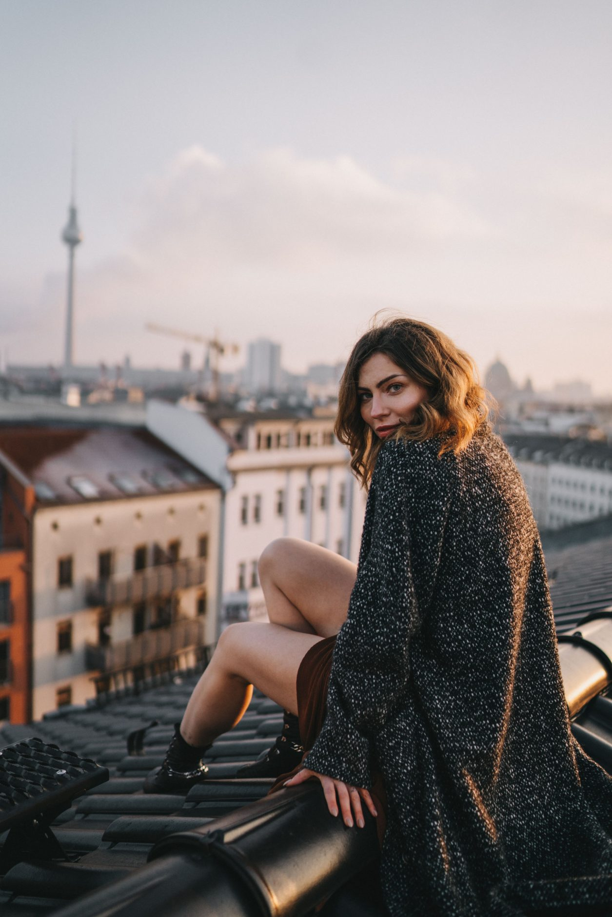 Moody Editorial on a  Rooftop in Berlin Mitte by Masha Sedgwick (Maria Astor) | column | being proud | self love
