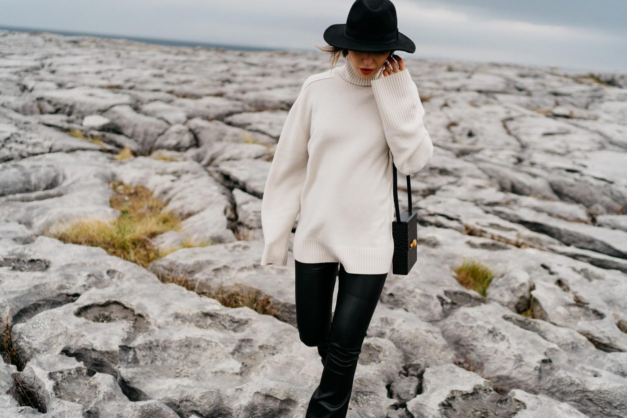 Streetstyle by Masha Sedgwick | Fashion and beauty blogger from Berlin, Germany | Travel photography at The Burren, Ireland | Travel look, Scandinavian outdoor fall winter editorial, cozy minimalistic monochrome outfit, new bottega, fashion editorial, glaciated karst landscape