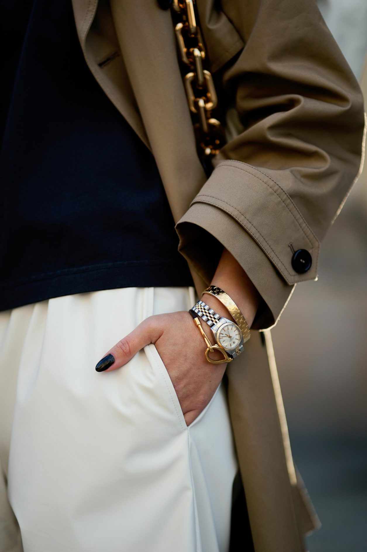 Streetstyle by Masha Sedgwick | Fashion blogger from Berlin, Germany | Accessoires inspiration: Hermes bracelet, vintage Rolex